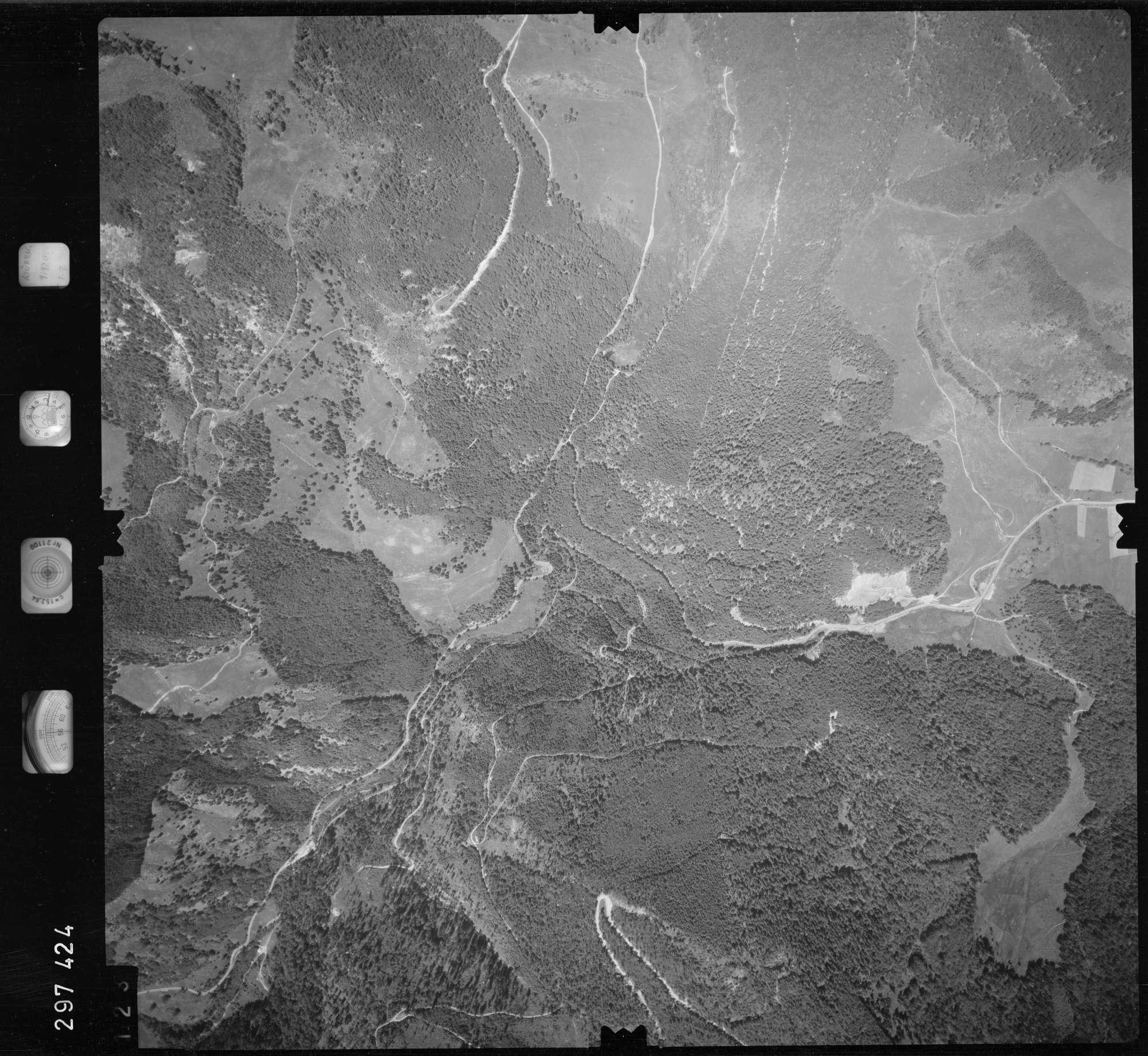 Luftbild: Film 68 Bildnr. 123, Bild 1