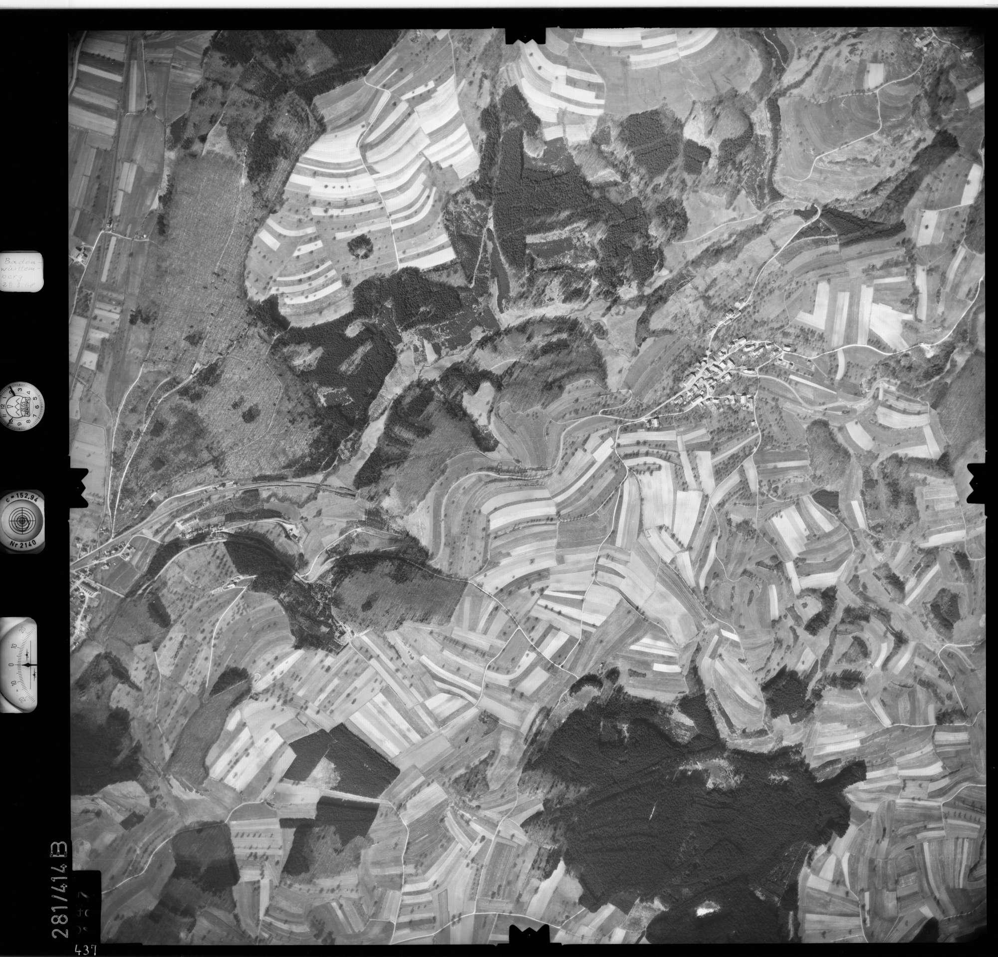 Luftbild: Film 71 Bildnr. 437, Bild 1