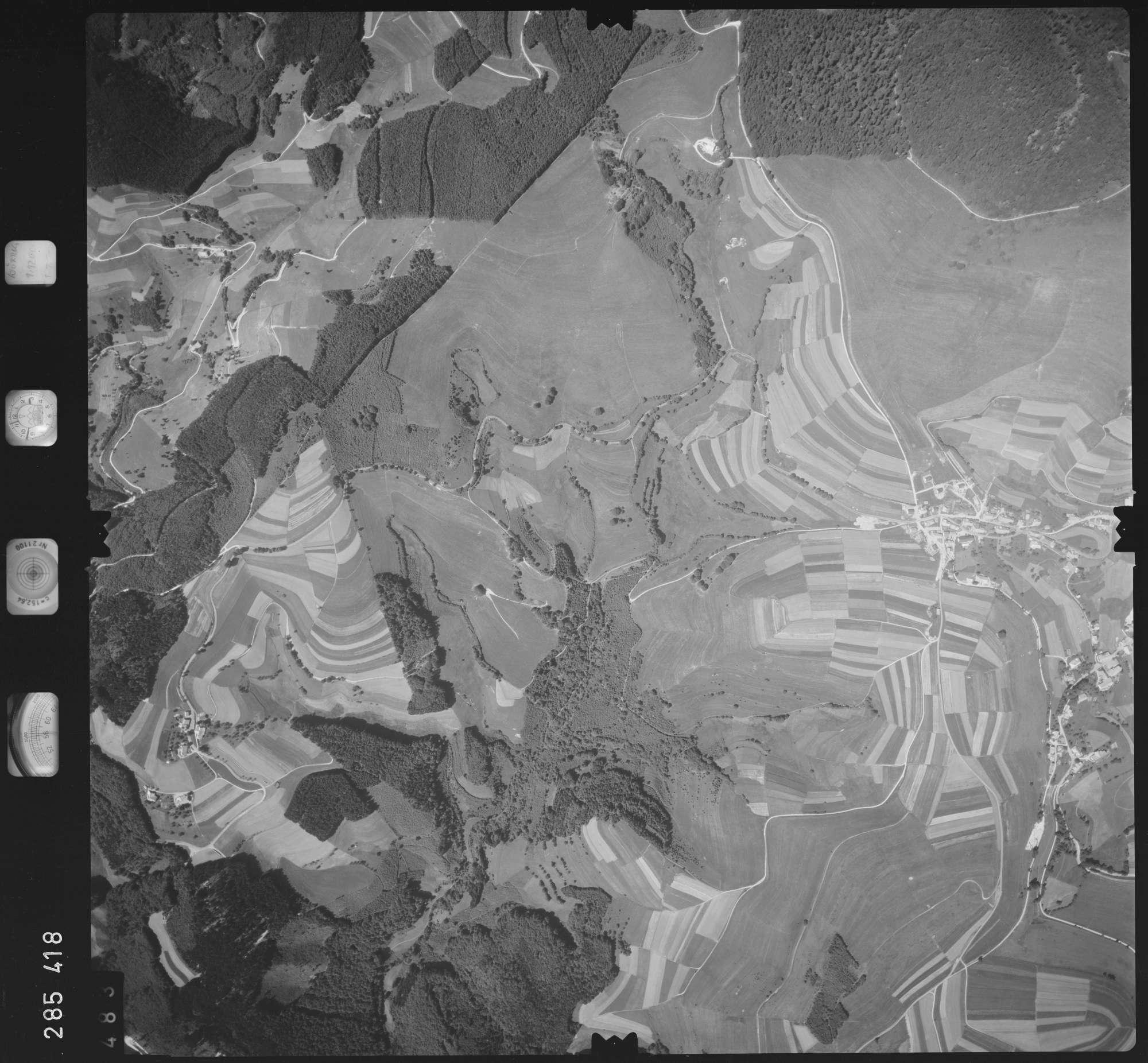 Luftbild: Film 72 Bildnr. 483, Bild 1