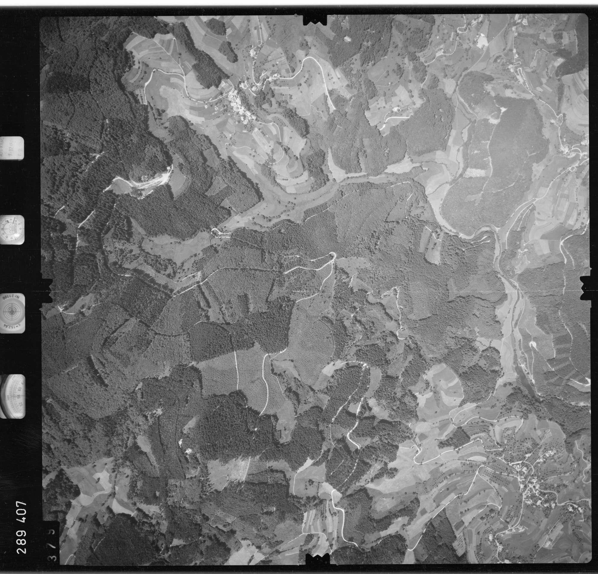 Luftbild: Film 72 Bildnr. 379, Bild 1