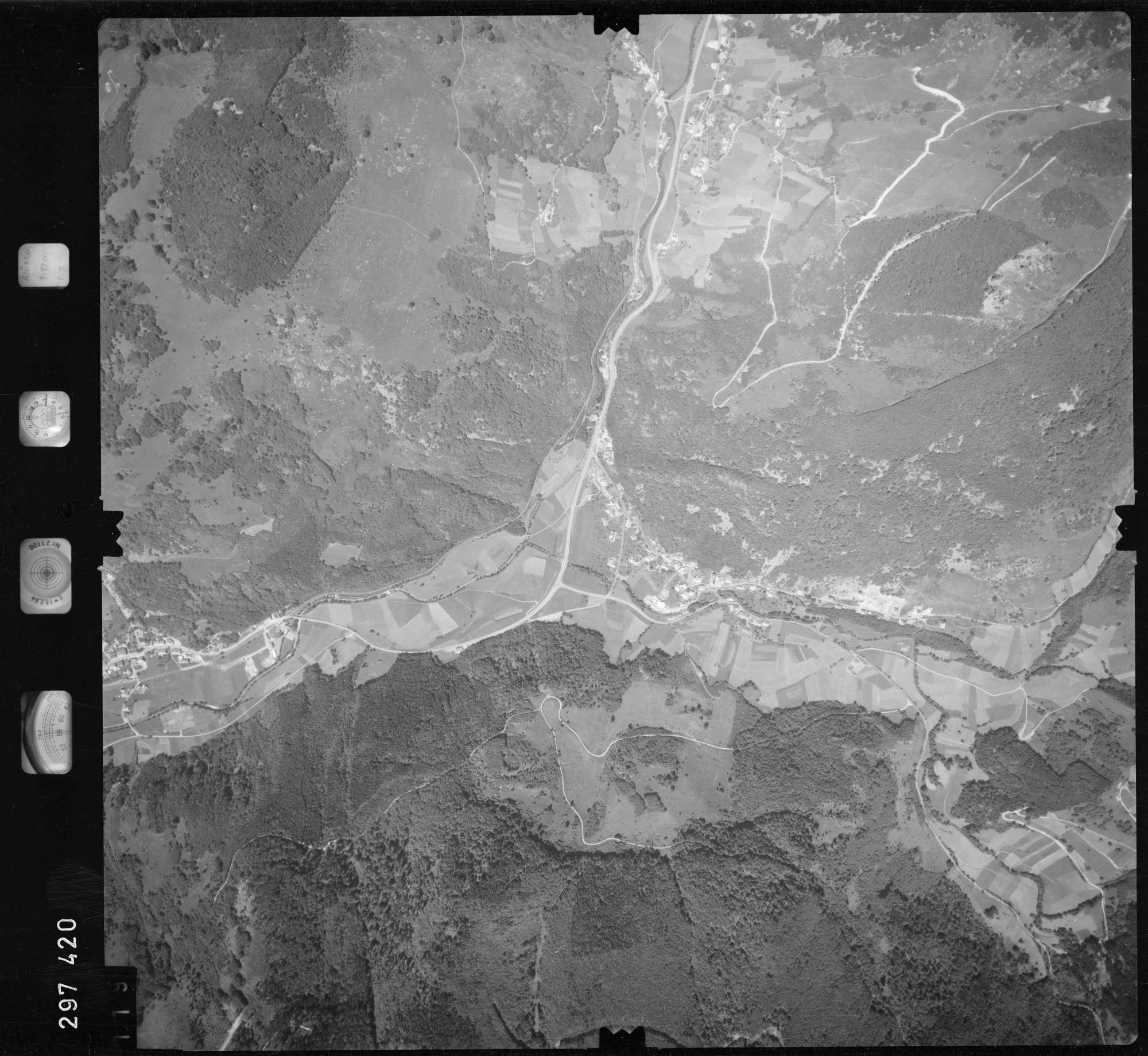 Luftbild: Film 68 Bildnr. 119, Bild 1
