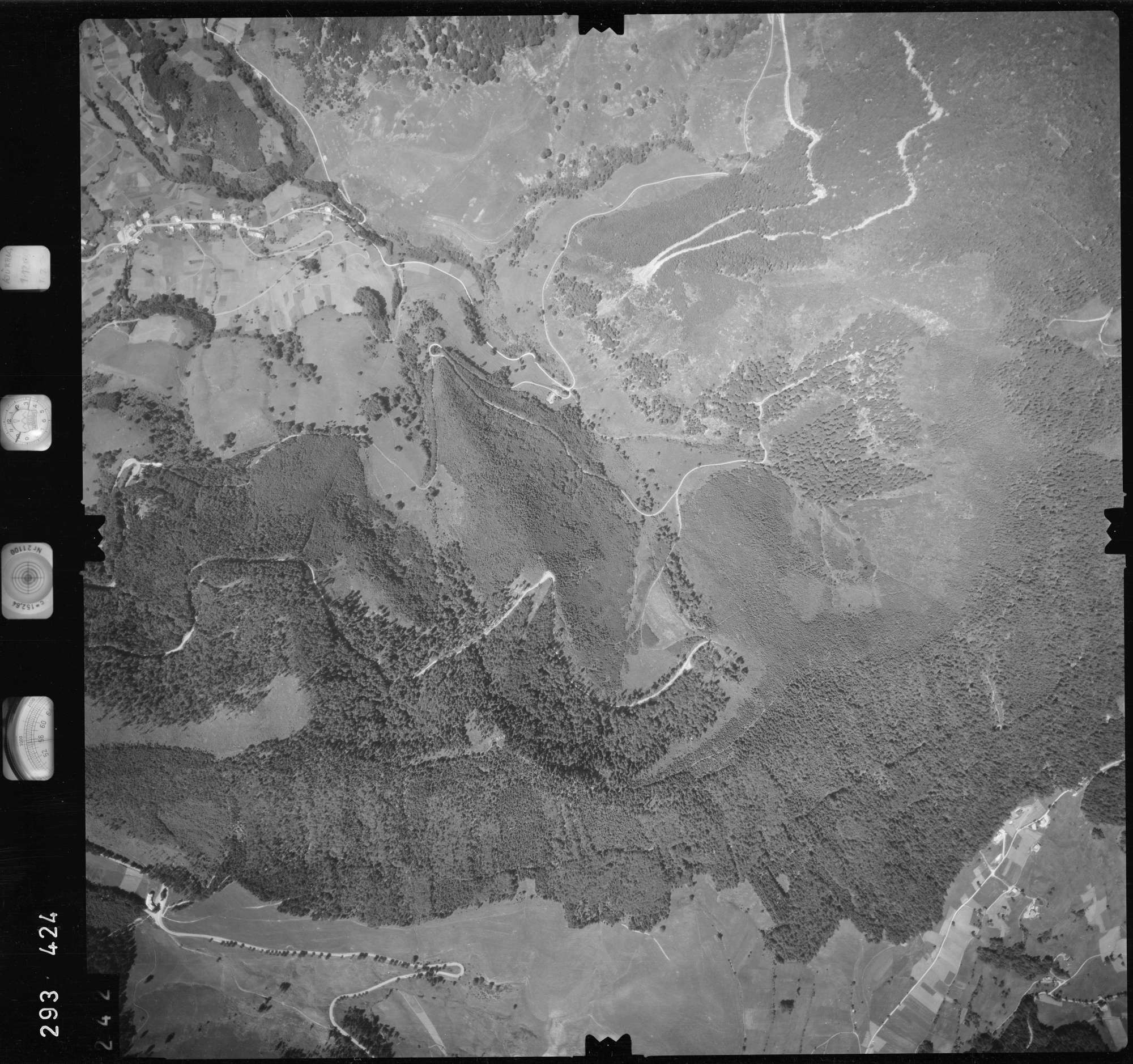 Luftbild: Film 68 Bildnr. 242, Bild 1
