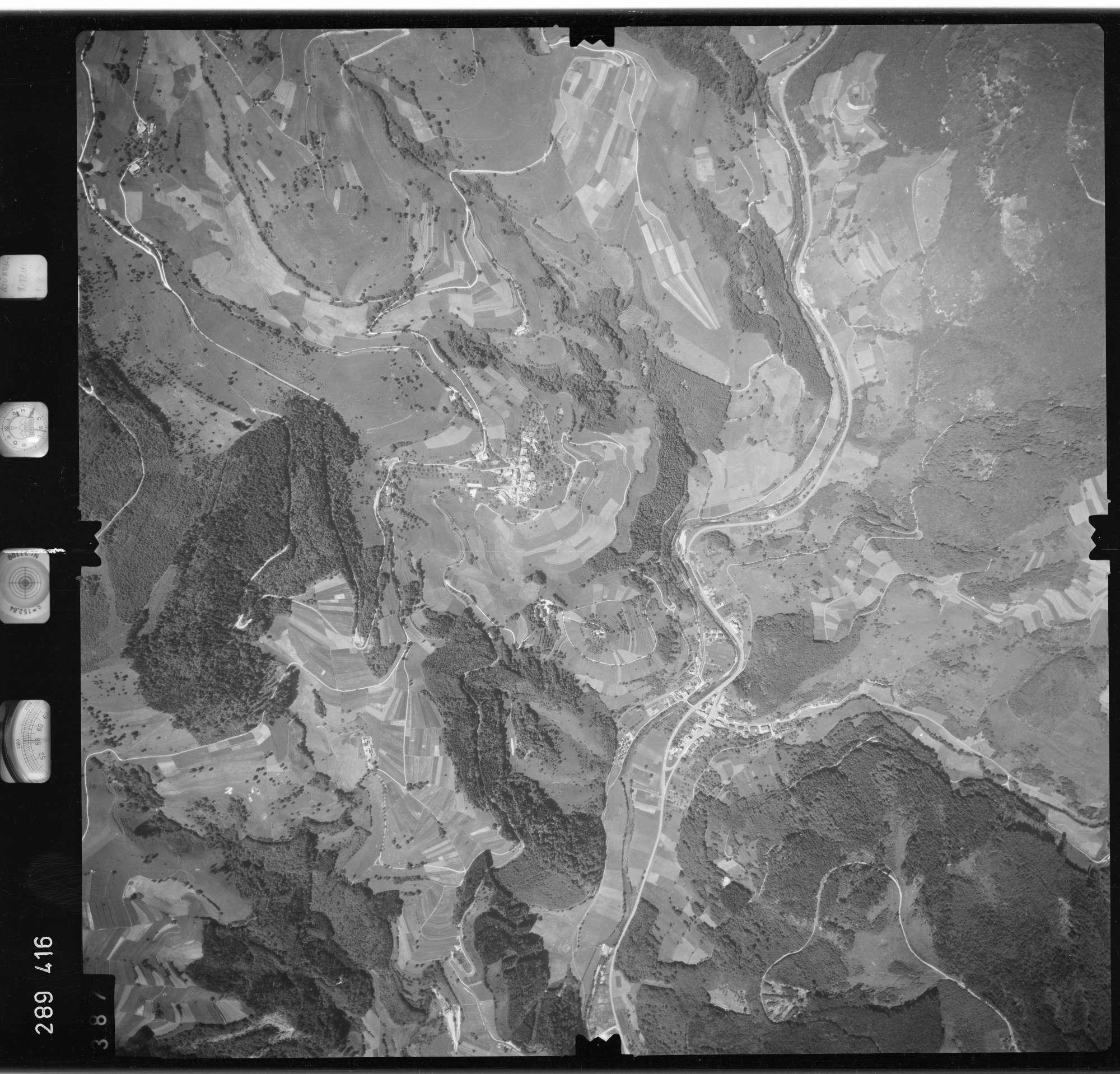 Luftbild: Film 72 Bildnr. 387, Bild 1