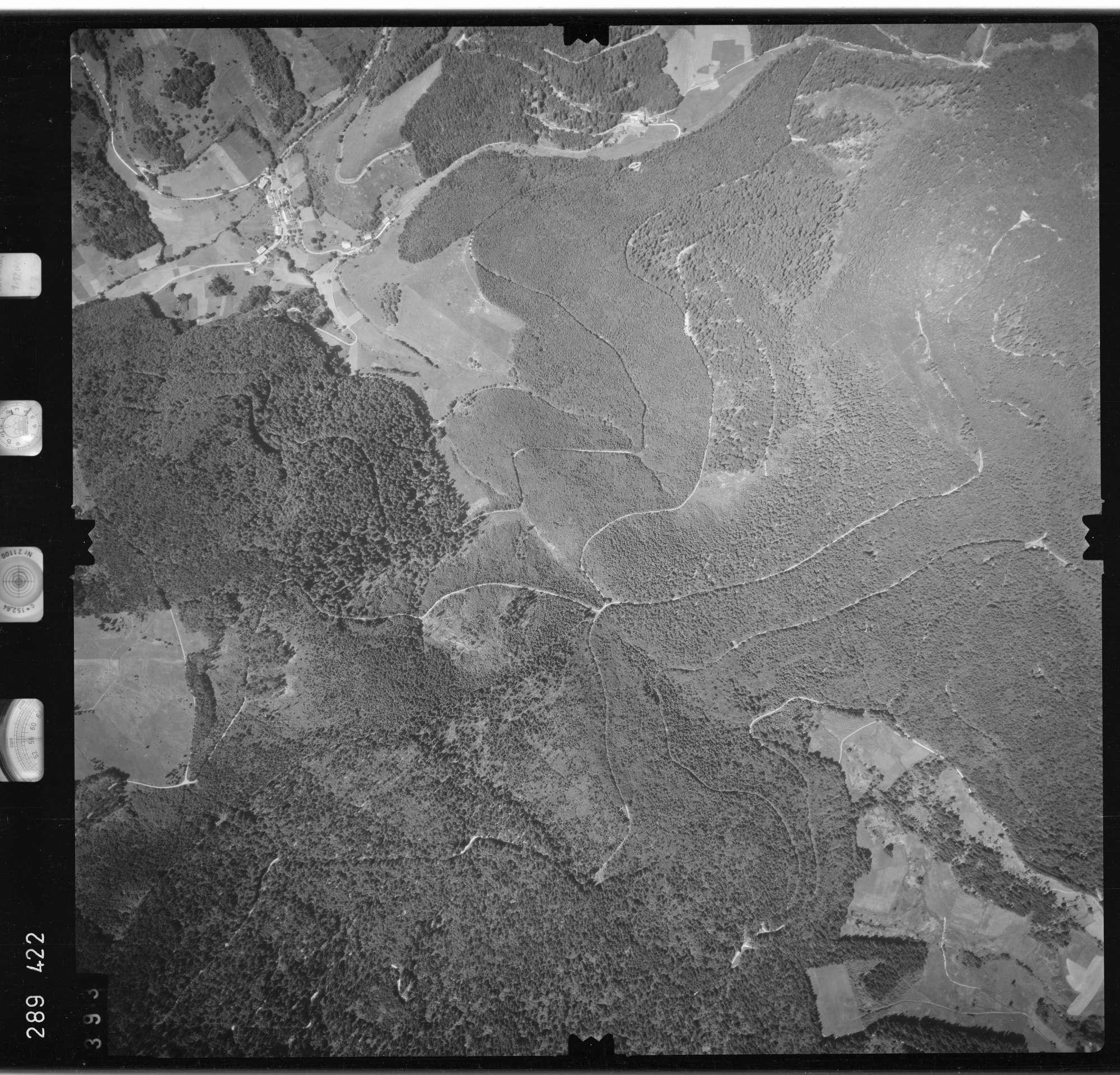 Luftbild: Film 72 Bildnr. 393, Bild 1