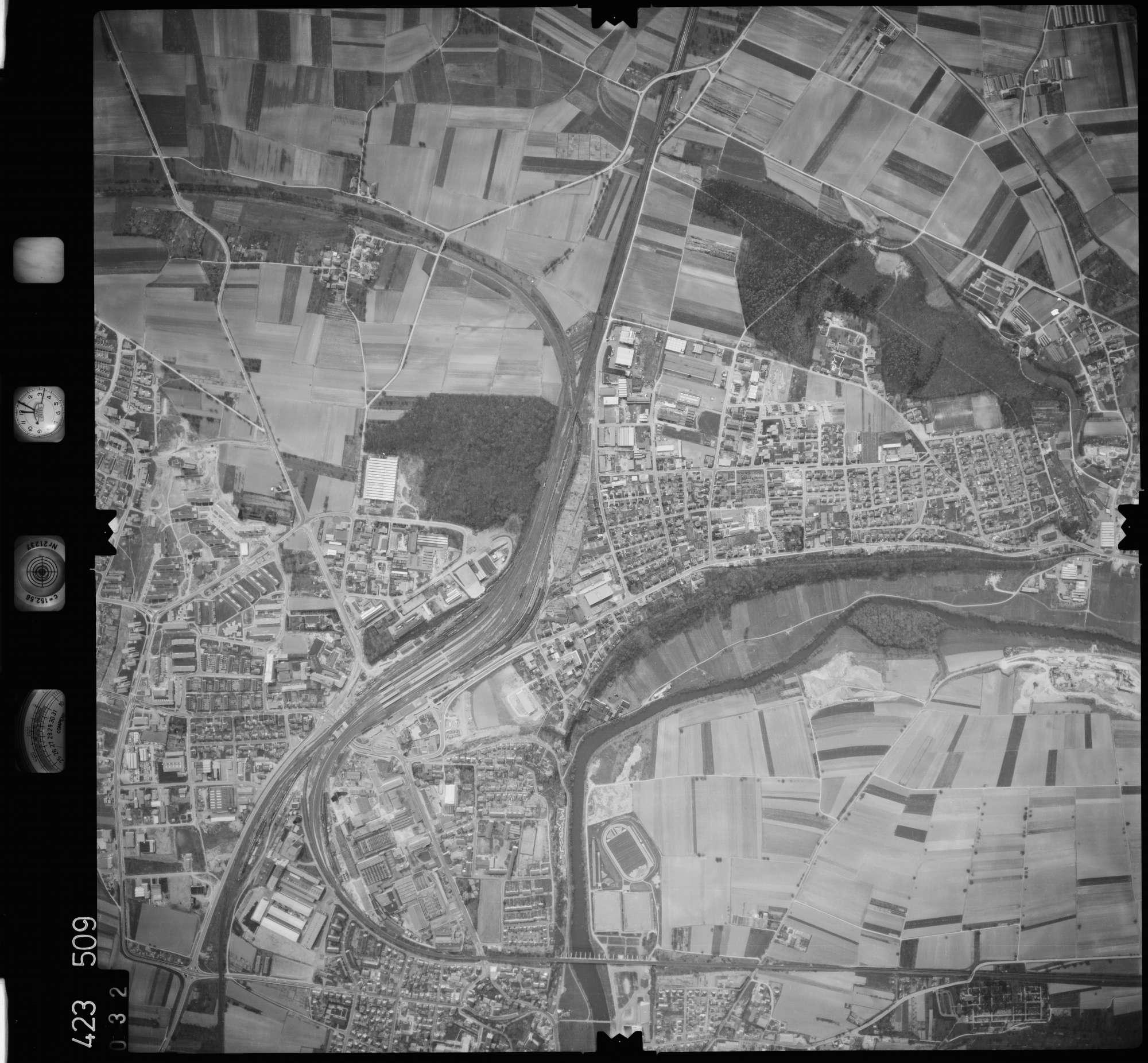 Luftbild: Film 1 Bildnr. 32, Bild 1