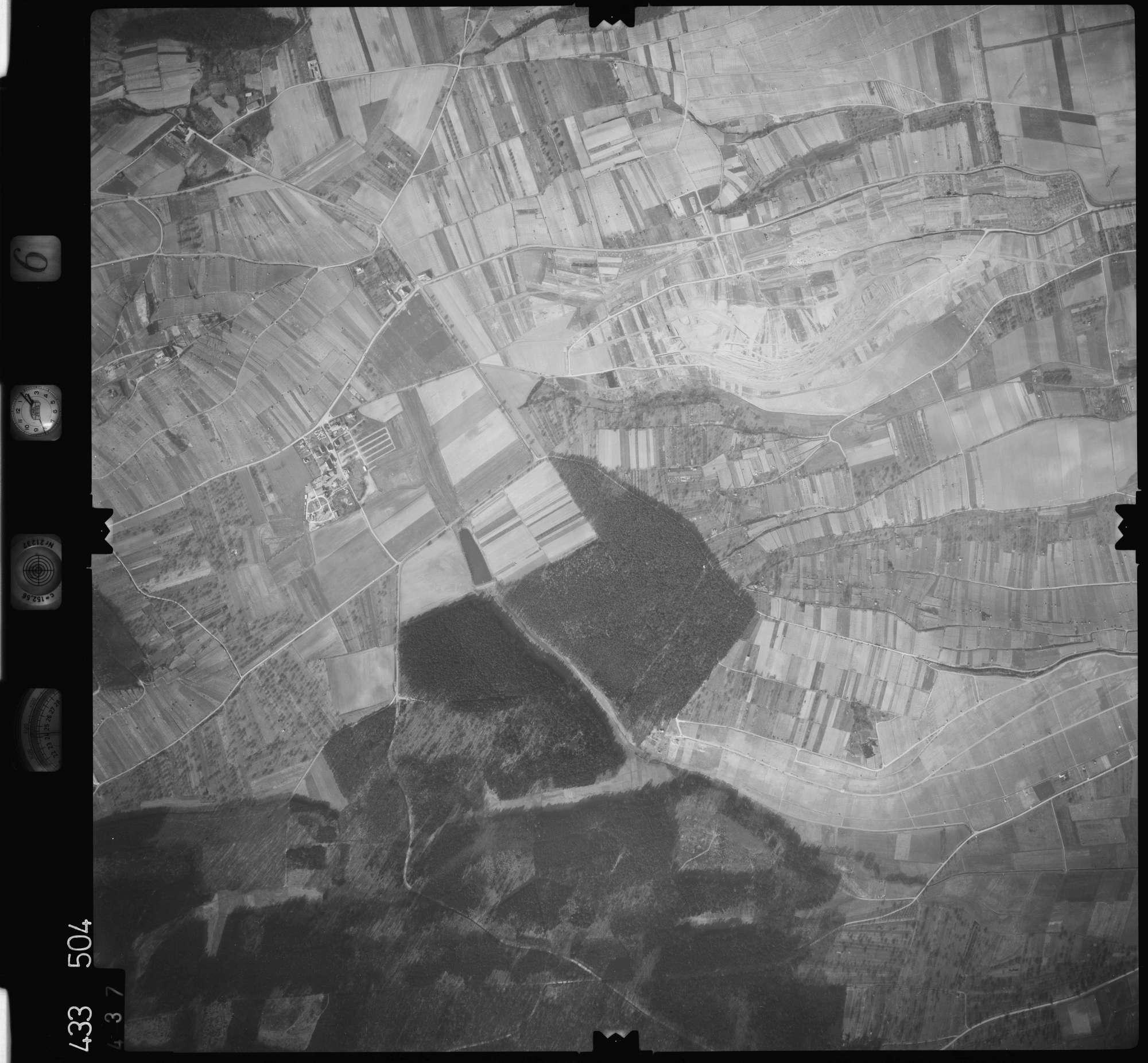 Luftbild: Film 6 Bildnr. 437, Bild 1