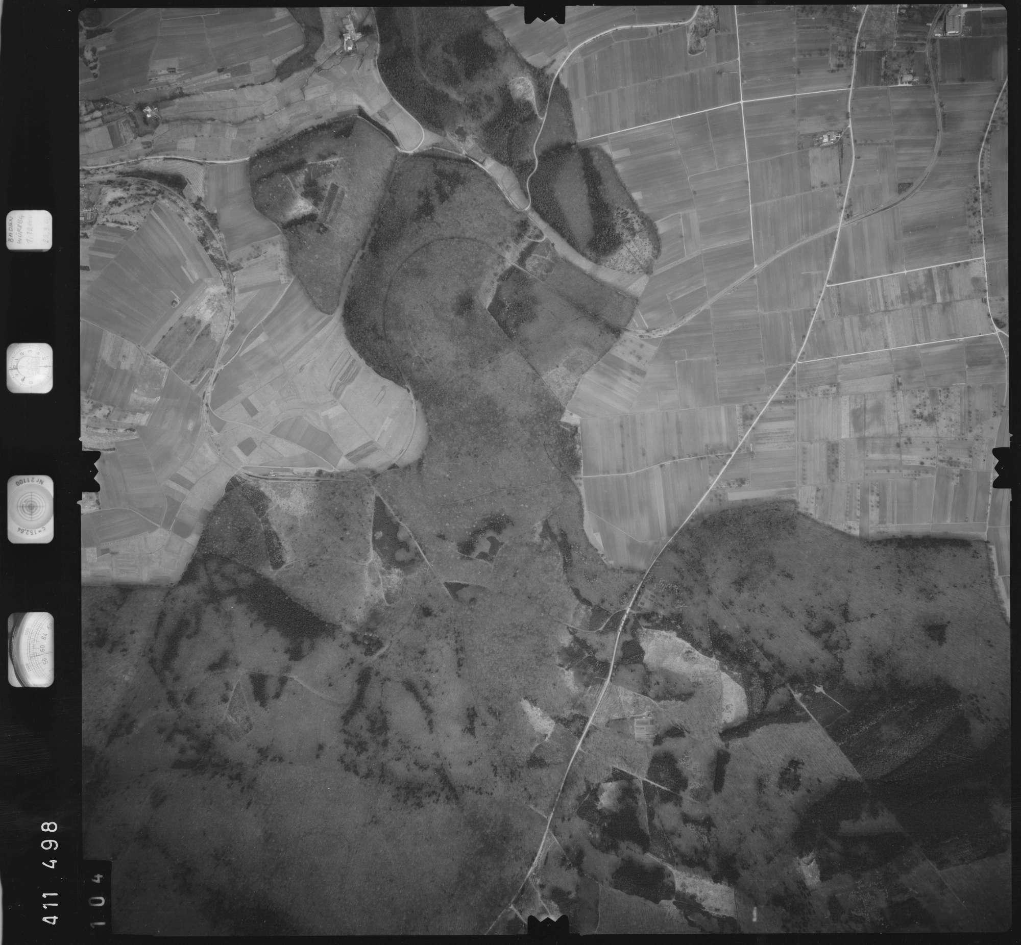 Luftbild: Film 5 Bildnr. 104, Bild 1