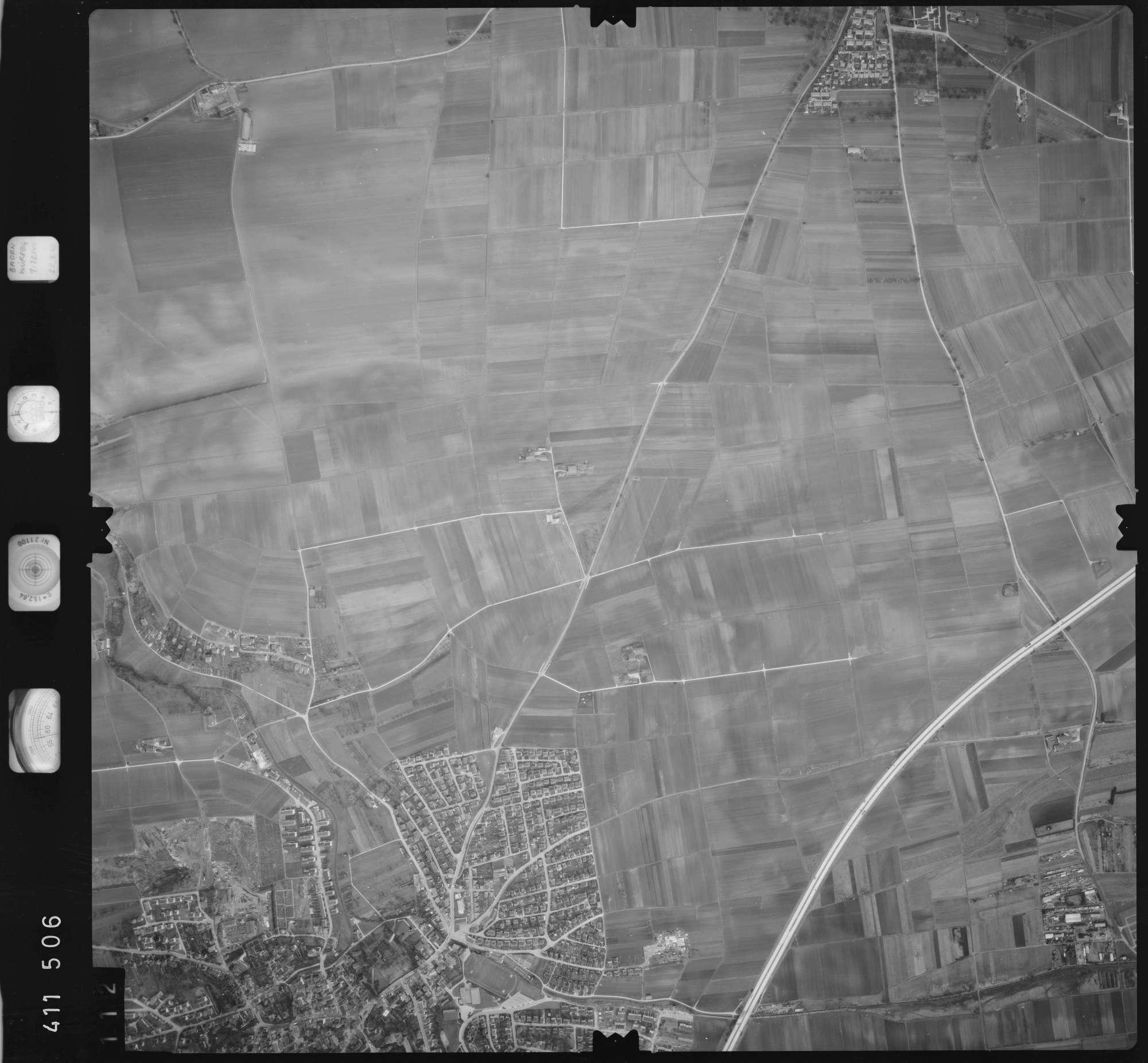 Luftbild: Film 5 Bildnr. 112, Bild 1