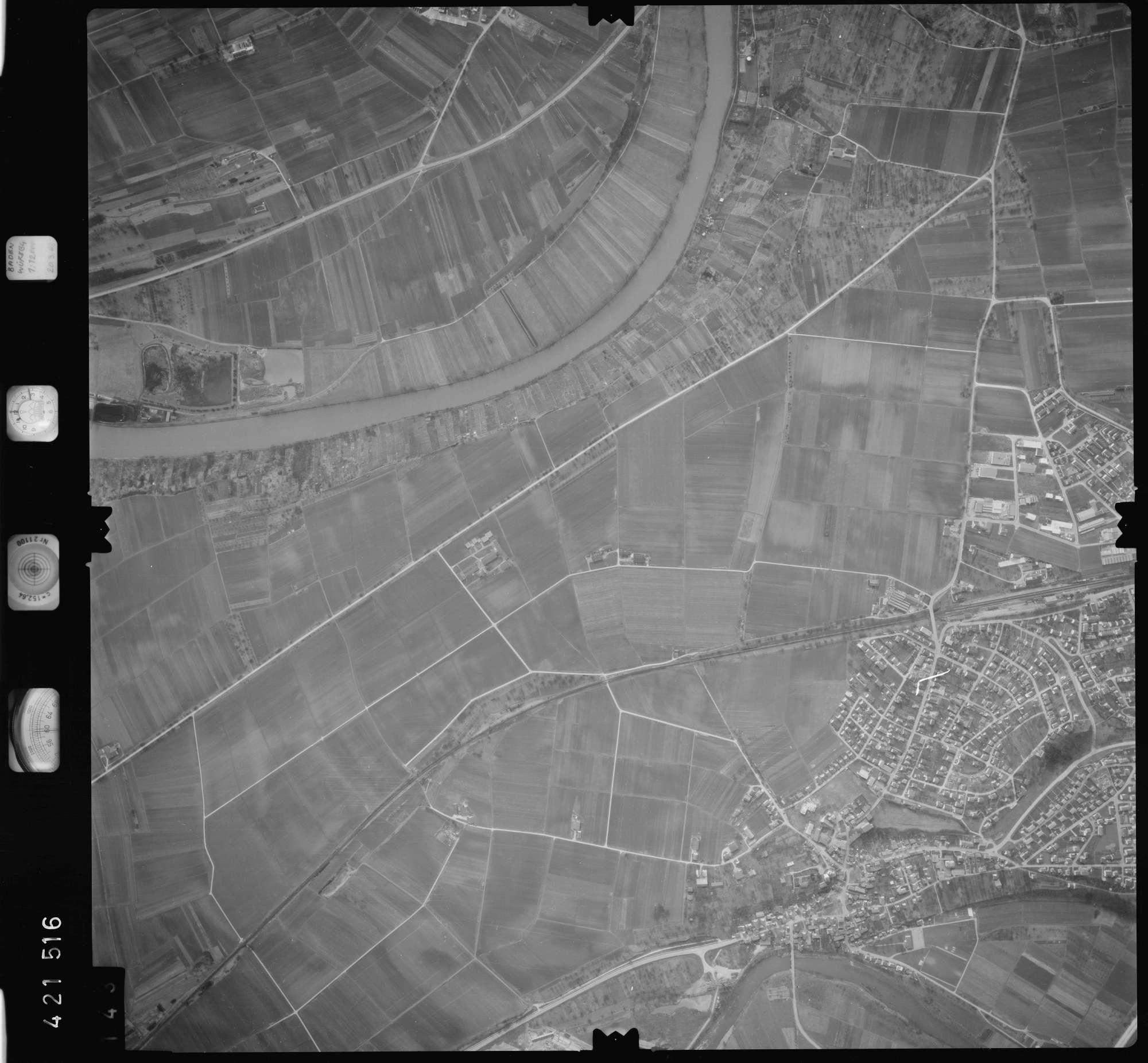 Luftbild: Film 1 Bildnr. 143, Bild 1