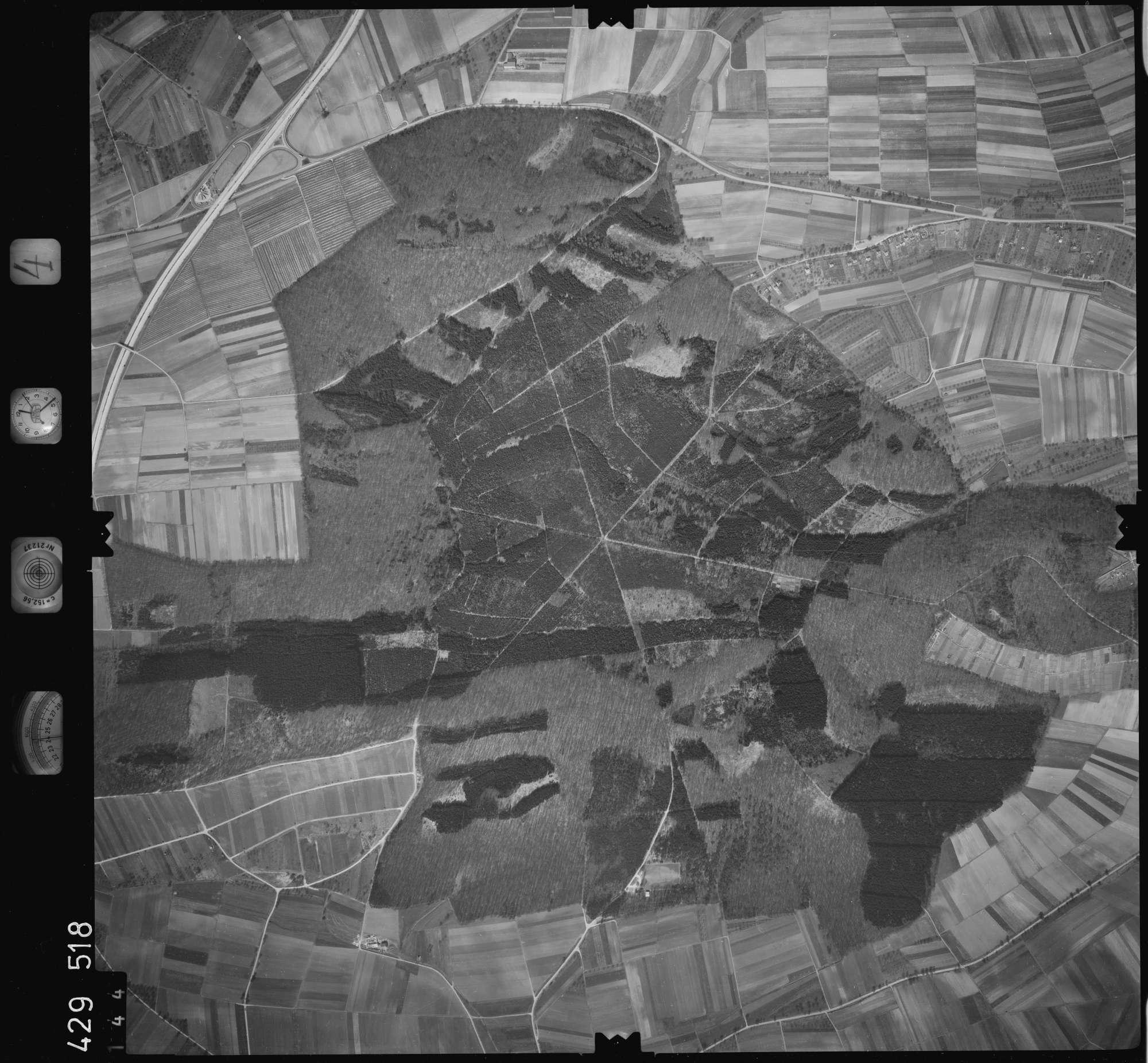 Luftbild: Film 4 Bildnr. 144, Bild 1