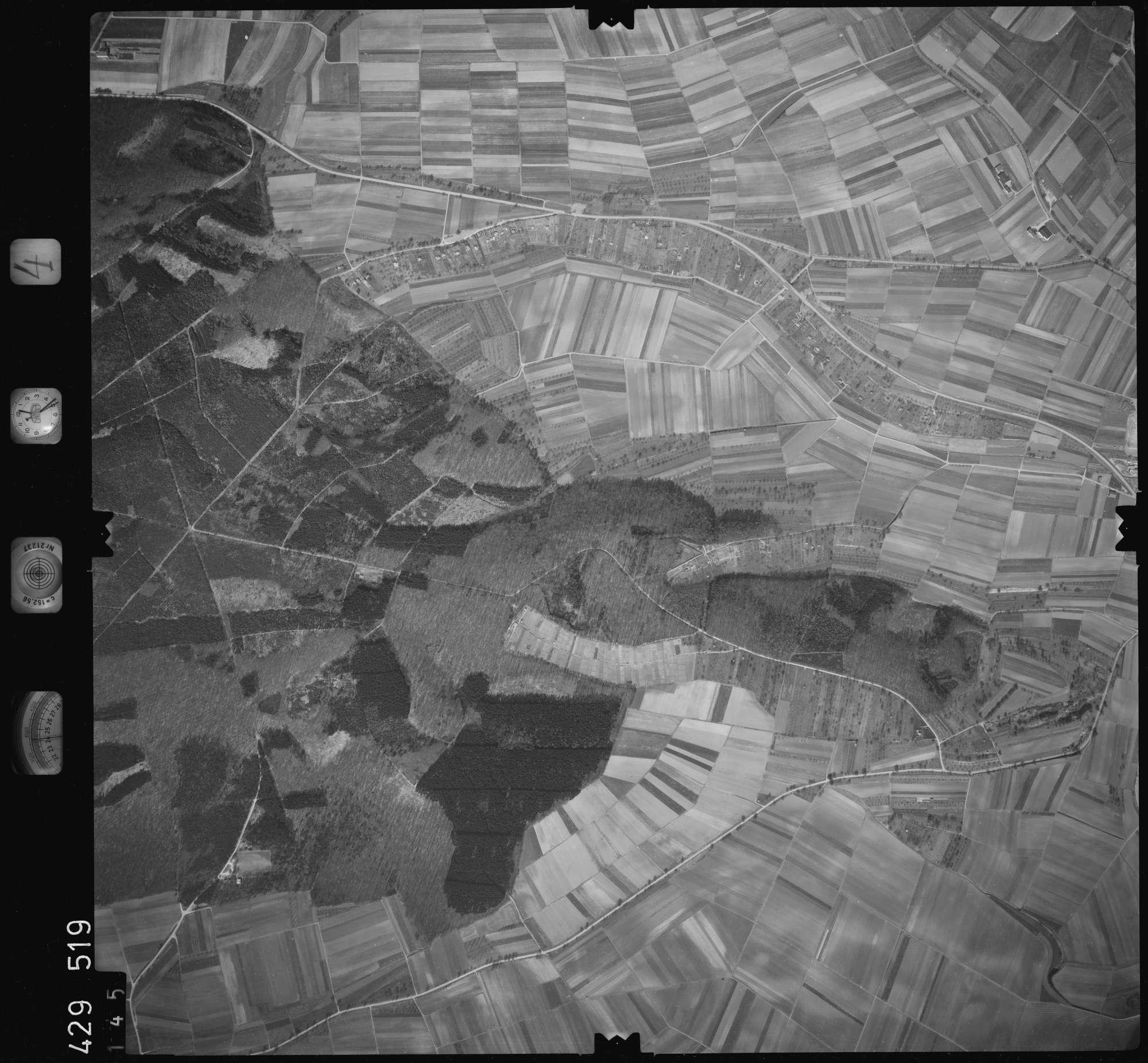 Luftbild: Film 4 Bildnr. 145, Bild 1