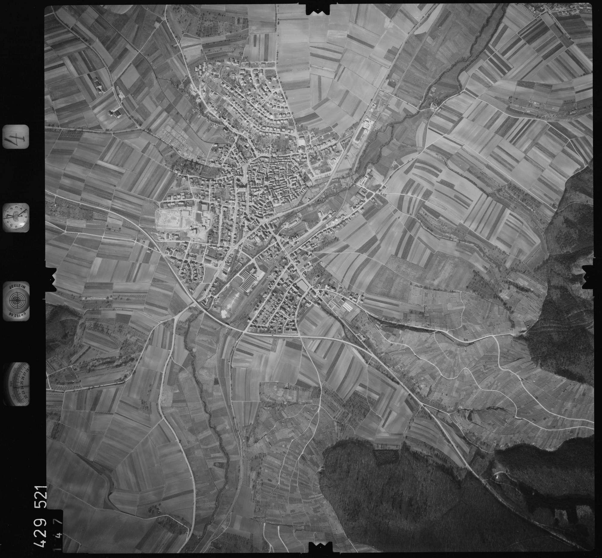 Luftbild: Film 4 Bildnr. 147, Bild 1