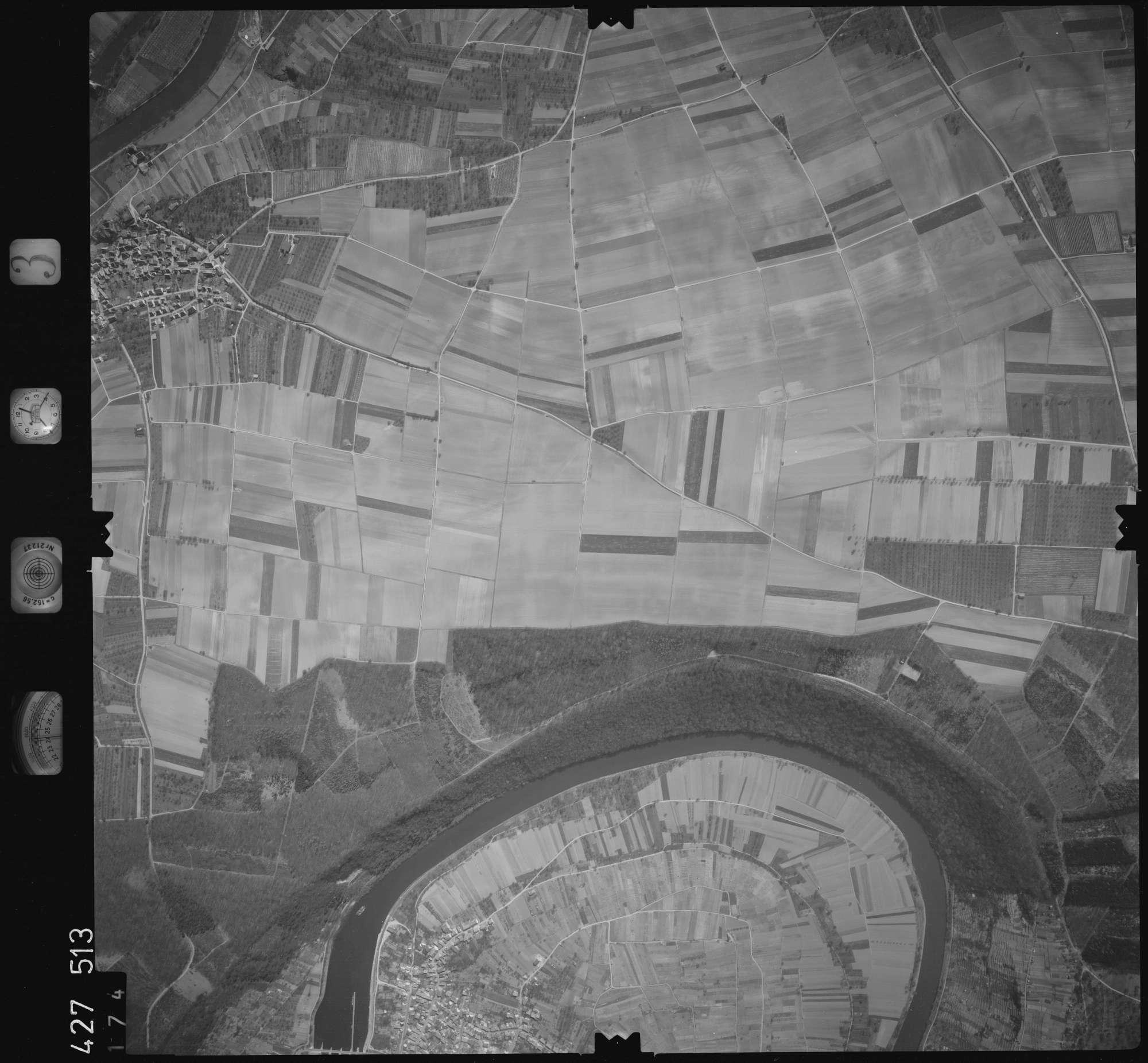 Luftbild: Film 3 Bildnr. 174, Bild 1