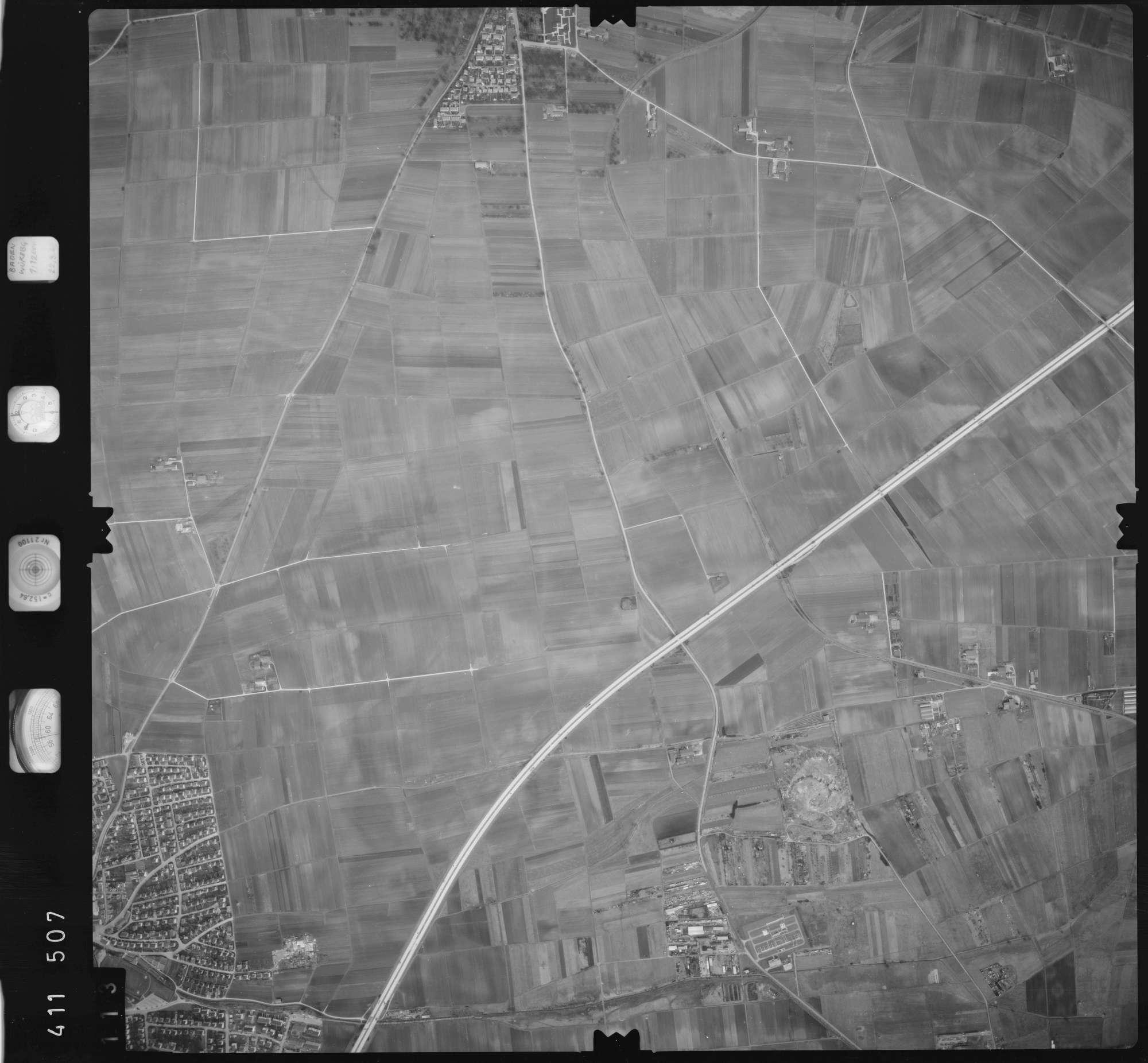 Luftbild: Film 5 Bildnr. 113, Bild 1