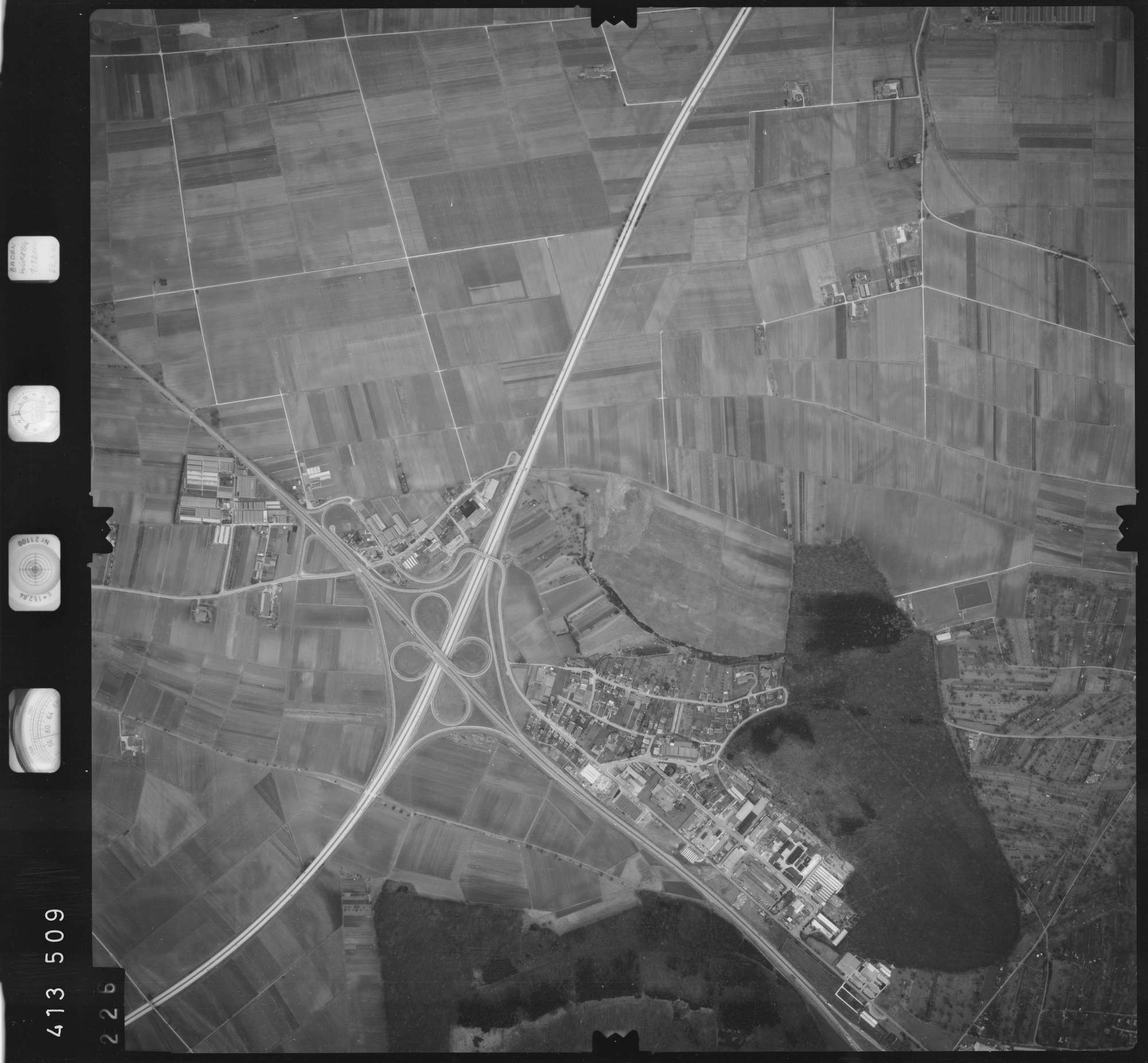 Luftbild: Film 5 Bildnr. 226, Bild 1