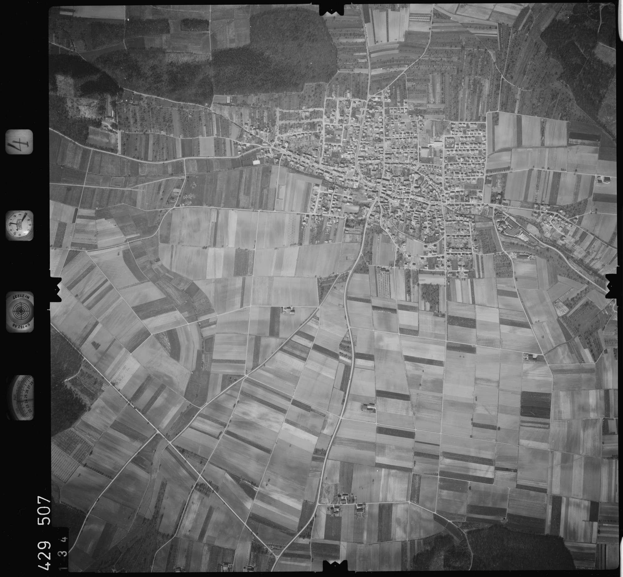 Luftbild: Film 4 Bildnr. 134, Bild 1