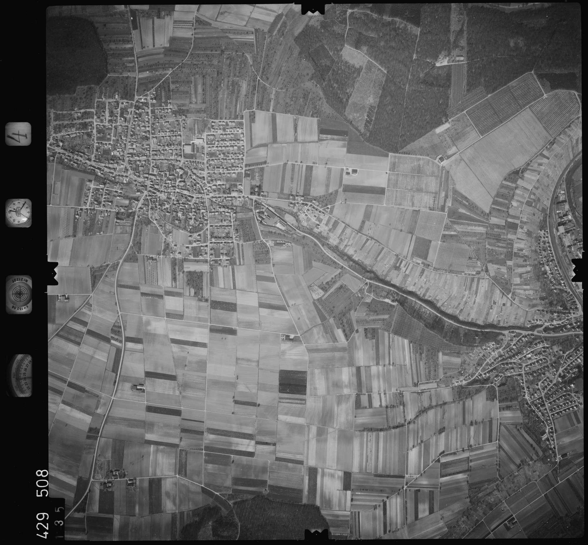Luftbild: Film 4 Bildnr. 135, Bild 1