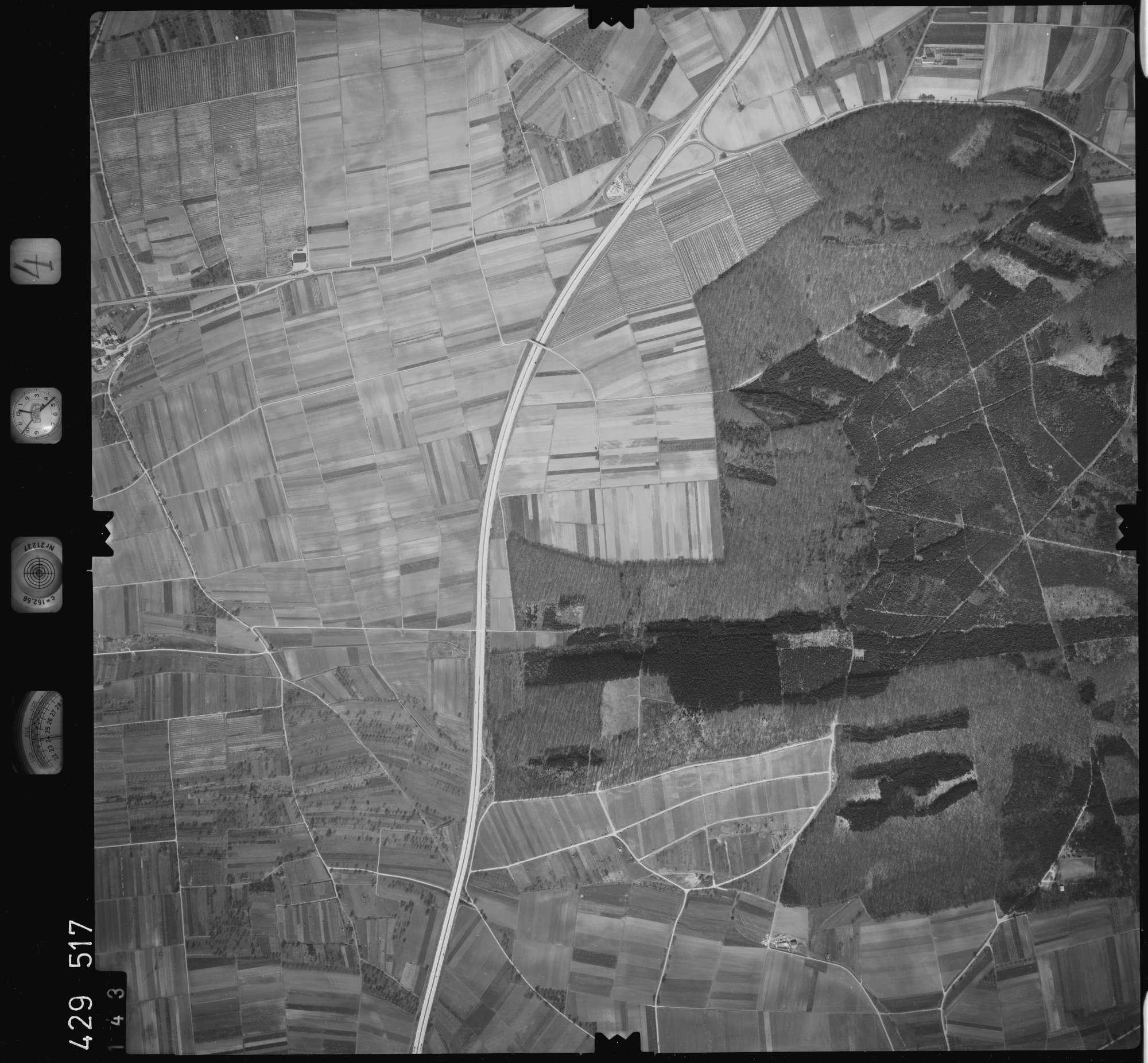 Luftbild: Film 4 Bildnr. 143, Bild 1