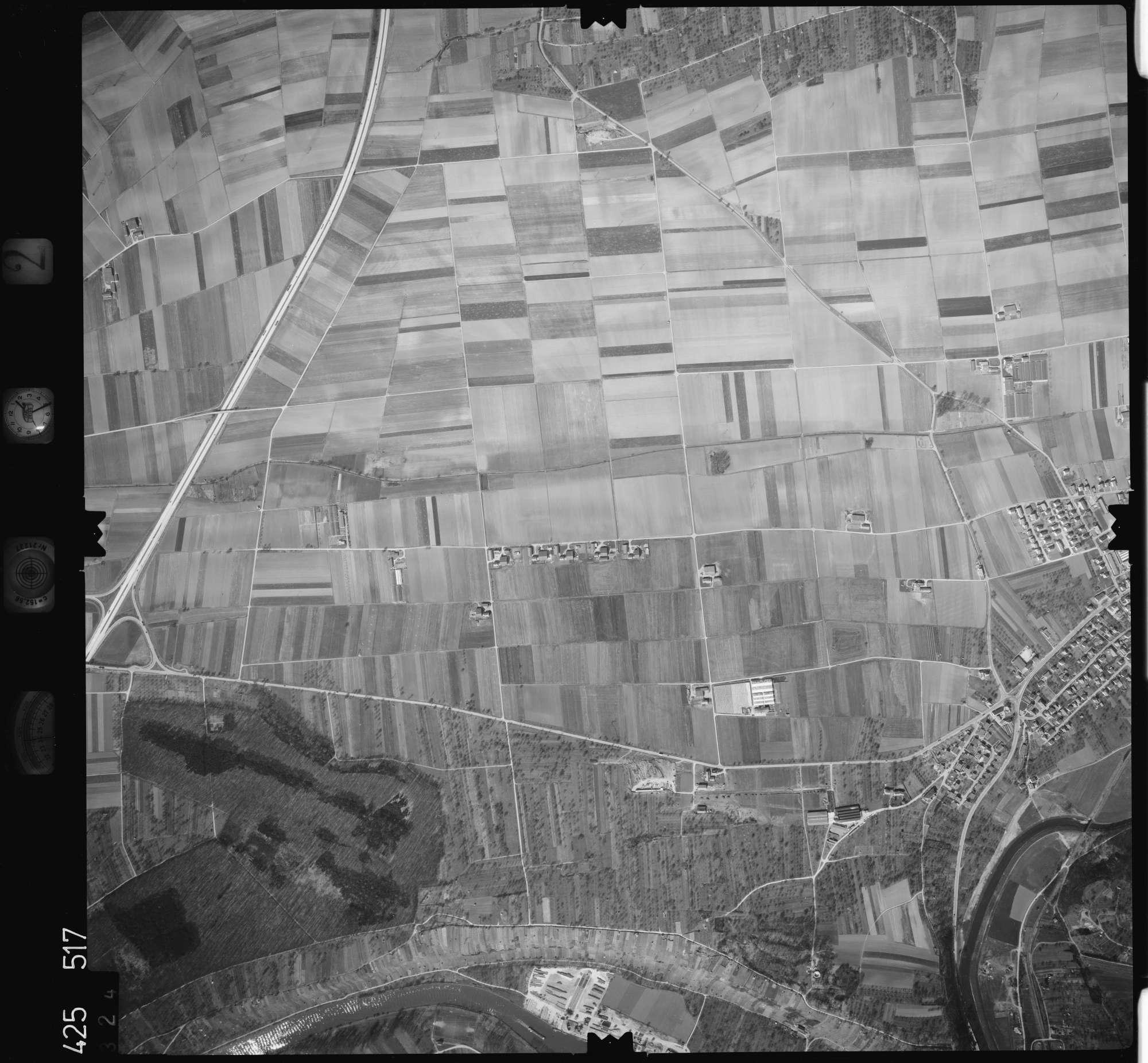 Luftbild: Film 2 Bildnr. 324, Bild 1