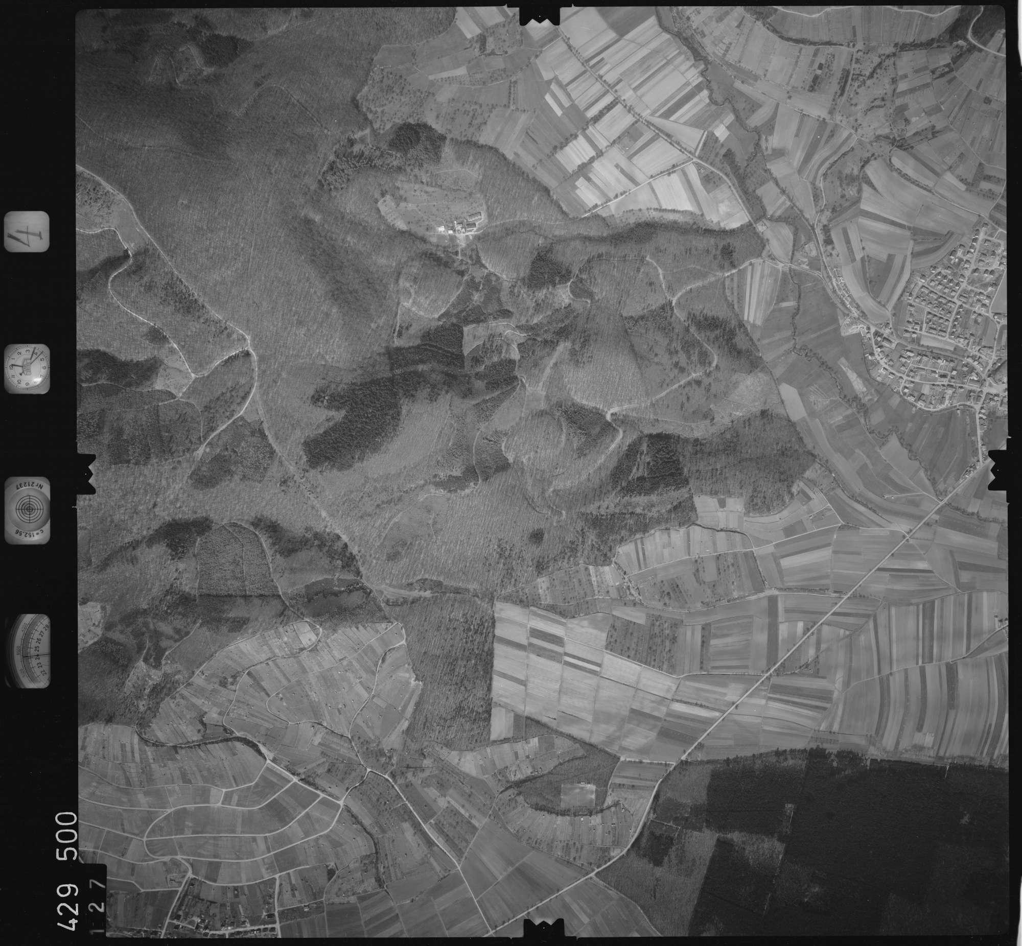 Luftbild: Film 4 Bildnr. 127, Bild 1