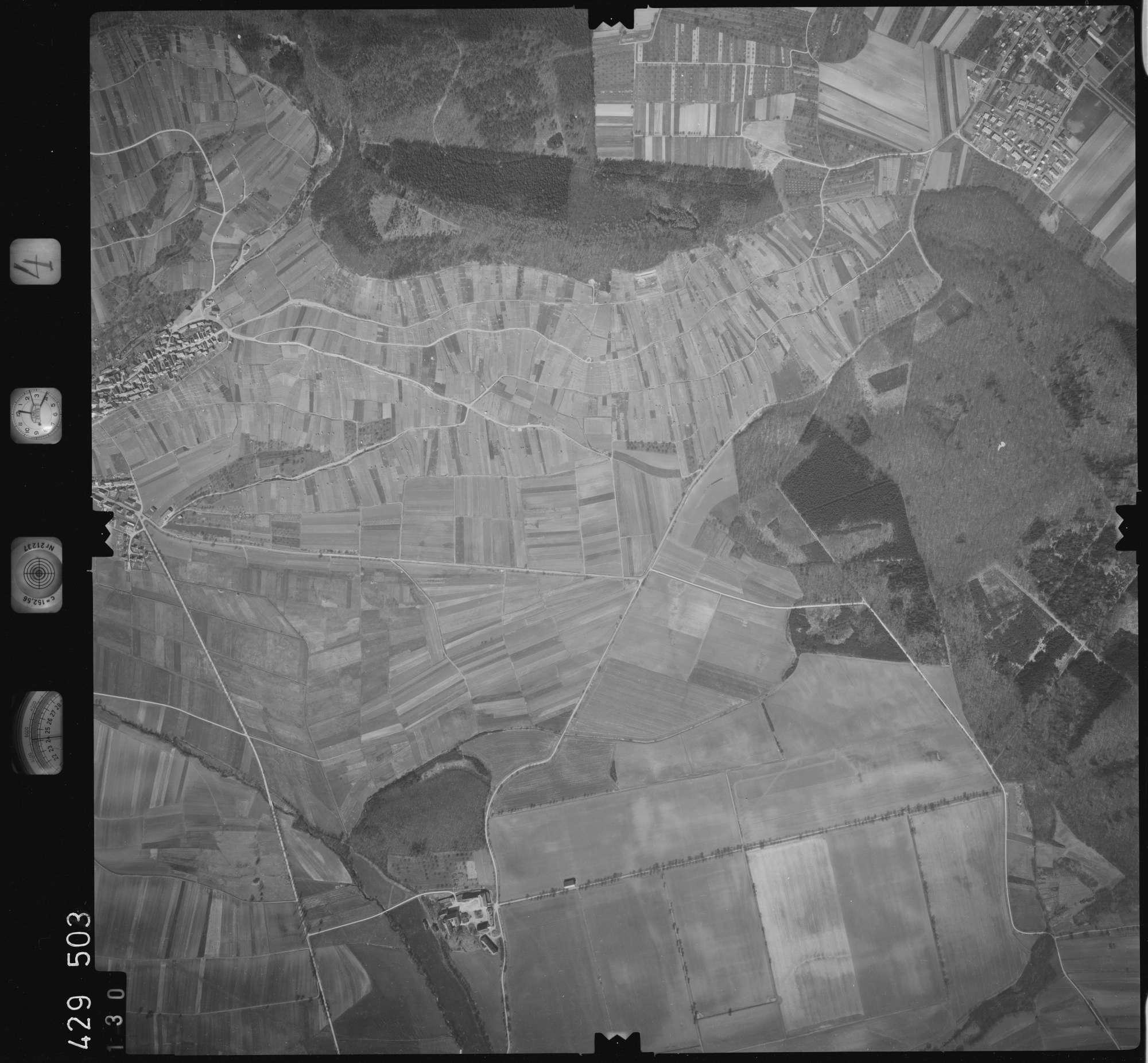 Luftbild: Film 4 Bildnr. 130, Bild 1