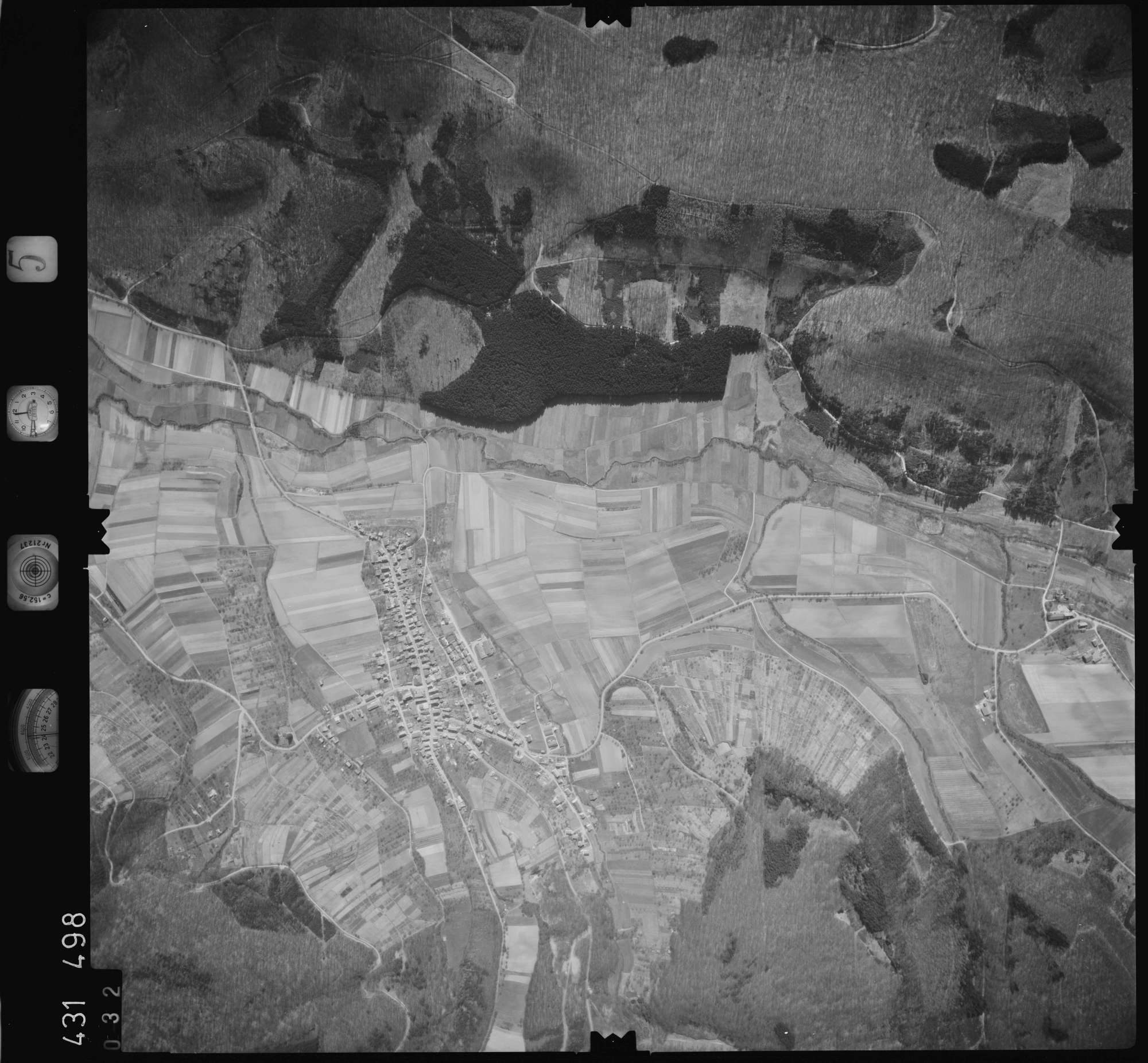 Luftbild: Film 5 Bildnr. 32, Bild 1