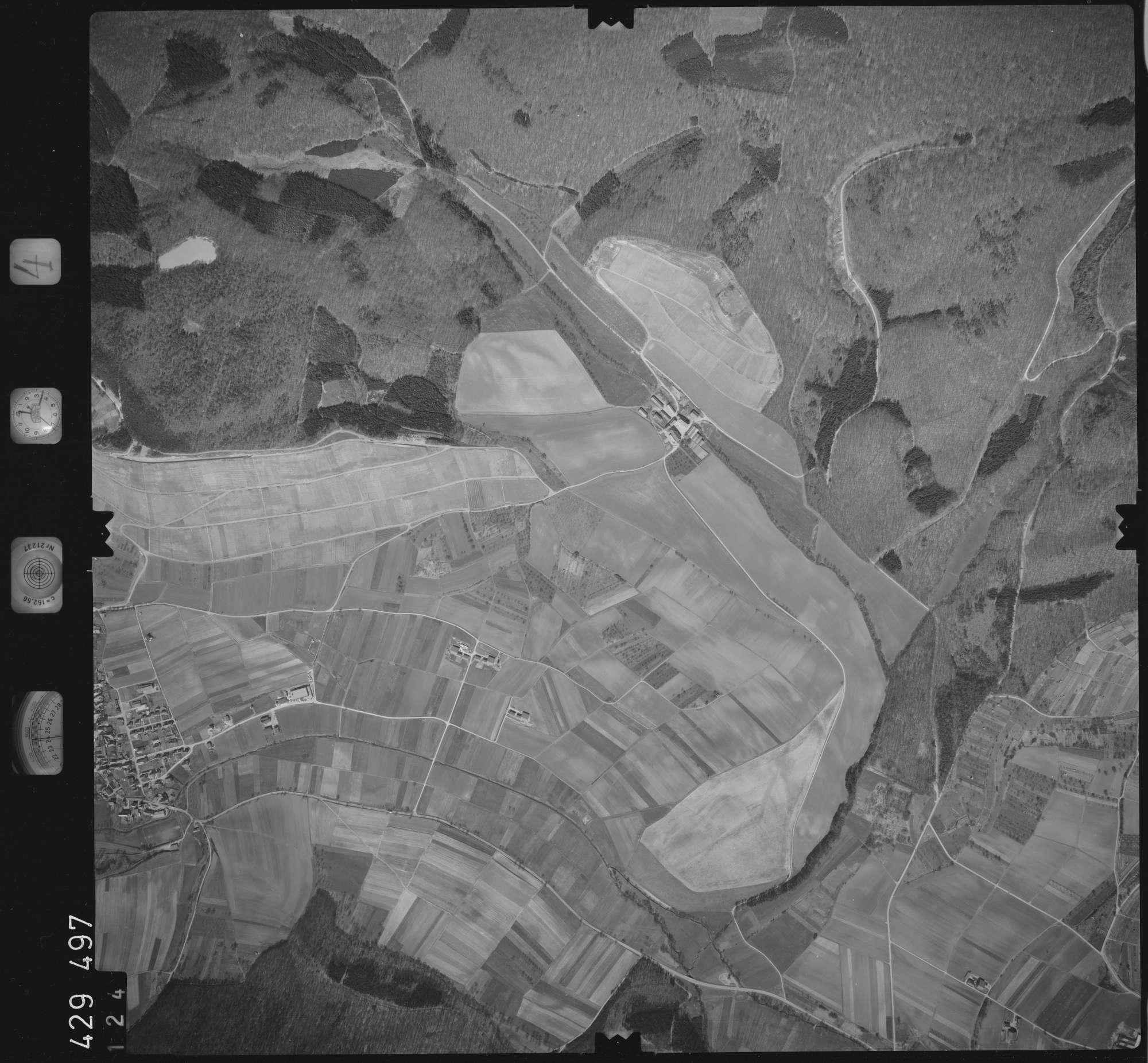 Luftbild: Film 4 Bildnr. 124, Bild 1