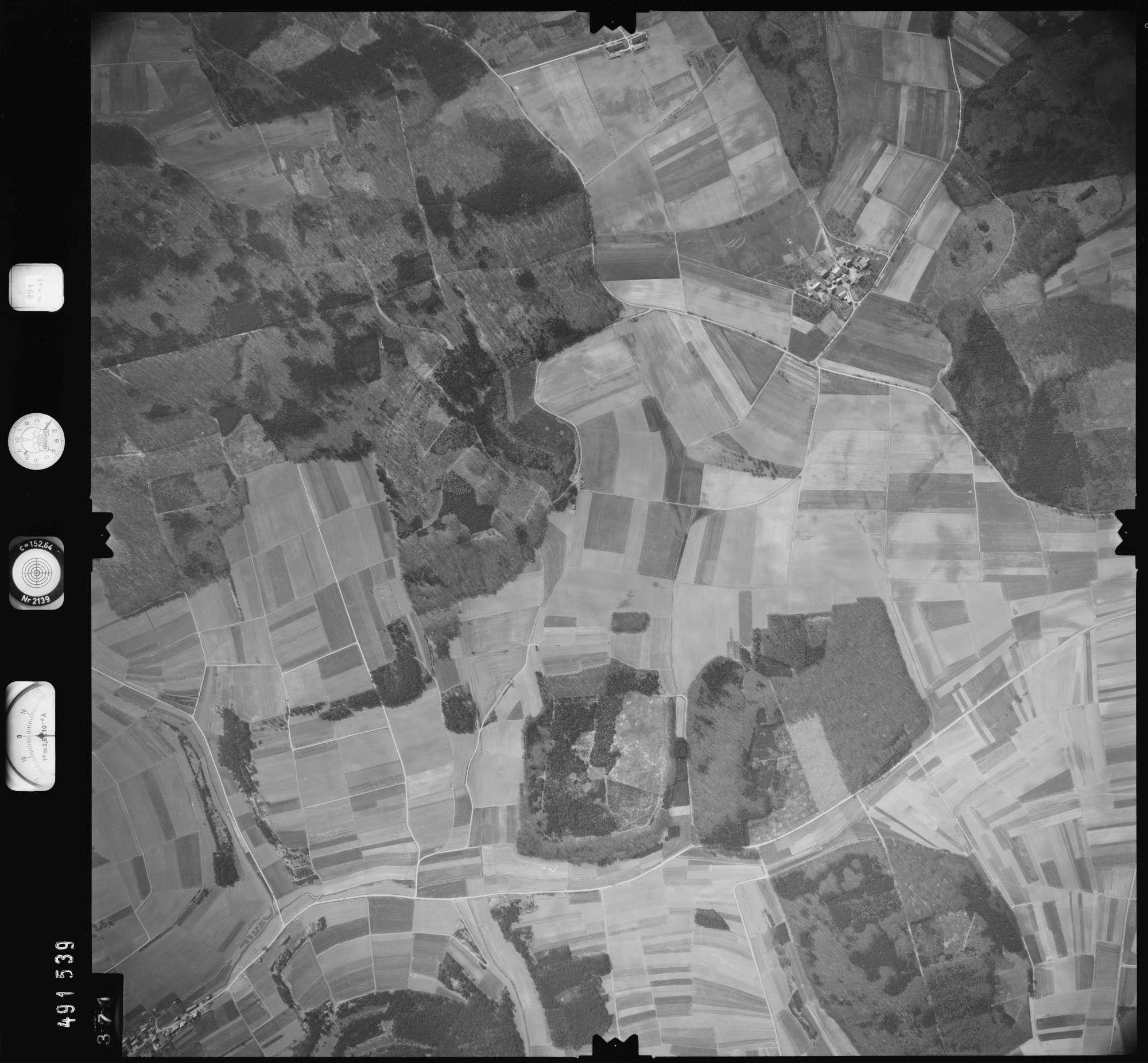 Luftbild: Film 891 Bildnr. 371, Bild 1