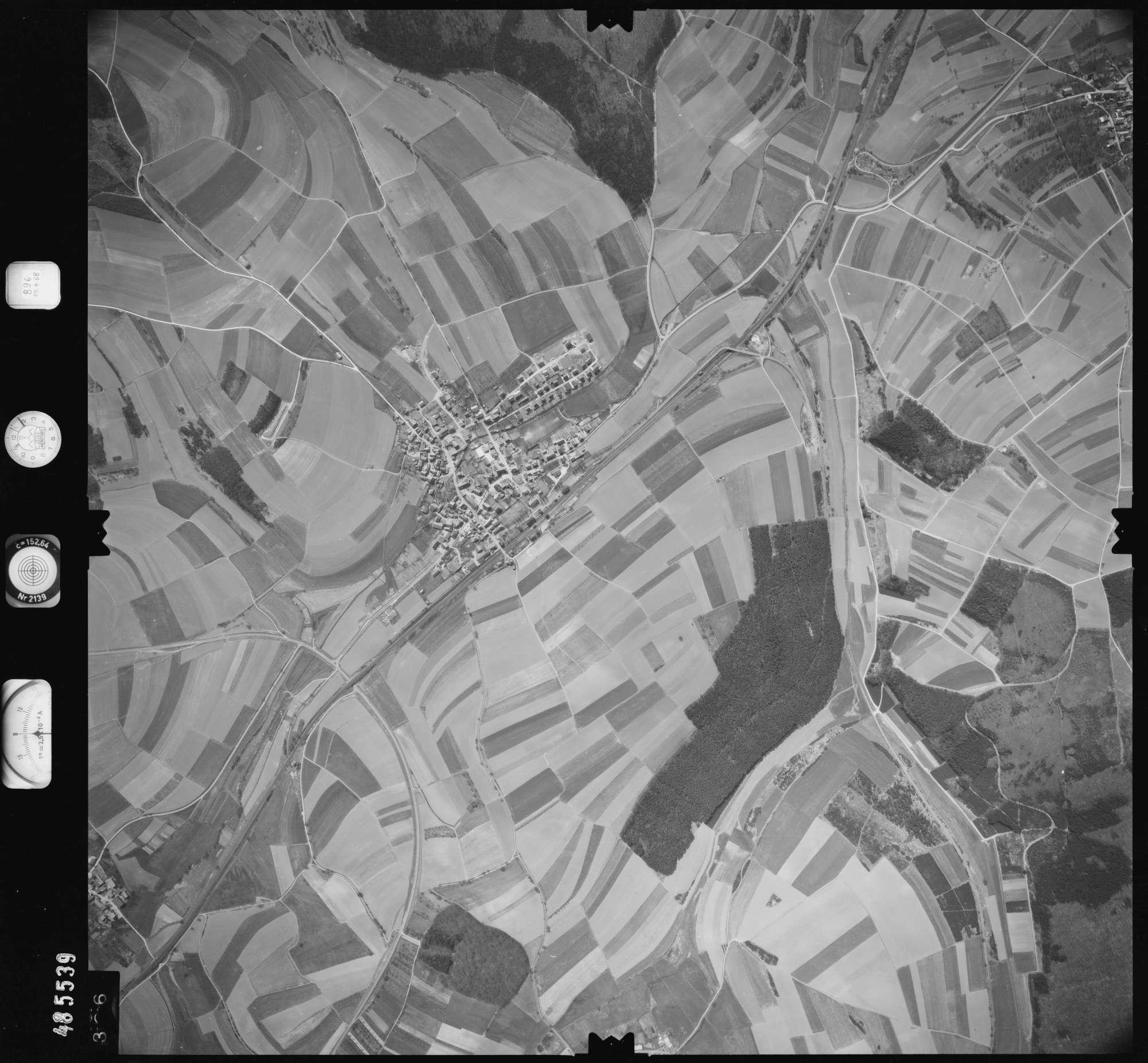 Luftbild: Film 896 Bildnr. 326, Bild 1