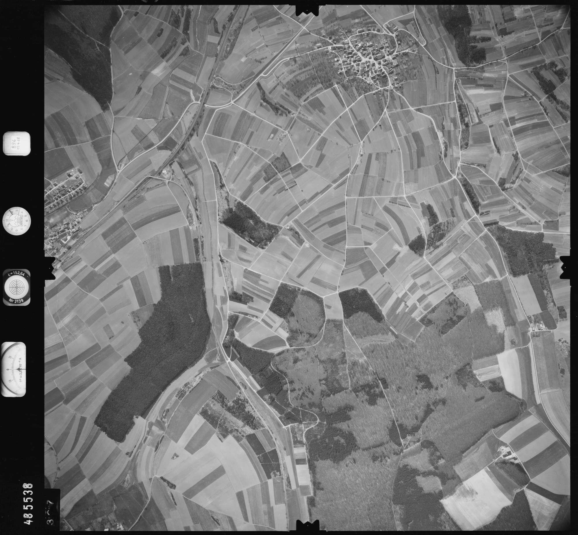 Luftbild: Film 896 Bildnr. 327, Bild 1