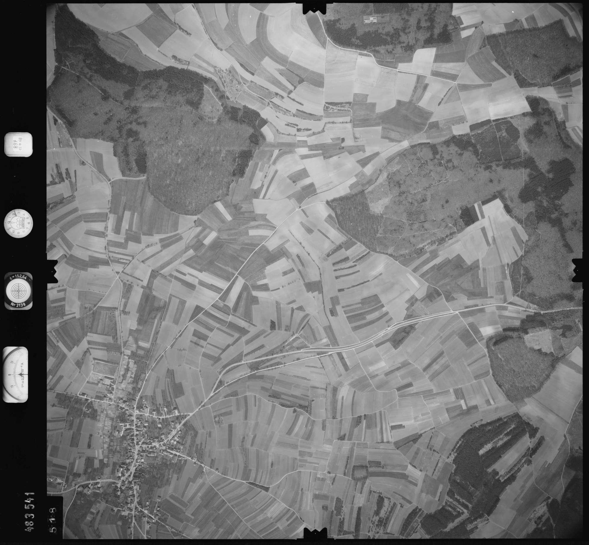 Luftbild: Film 897 Bildnr. 518, Bild 1