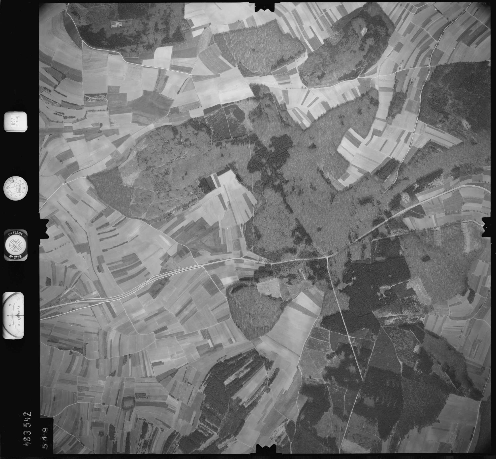 Luftbild: Film 897 Bildnr. 519, Bild 1