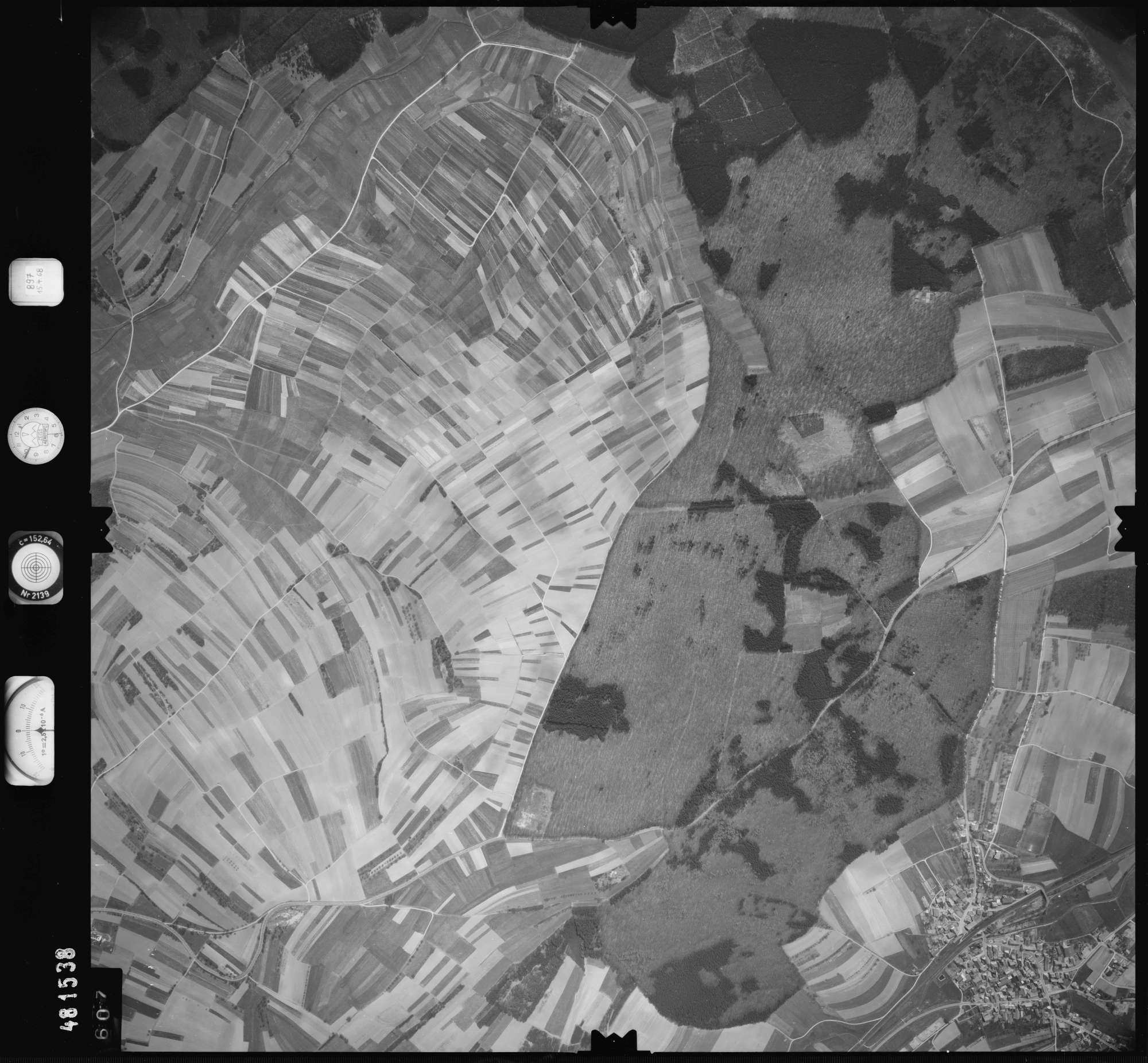 Luftbild: Film 897 Bildnr. 607, Bild 1