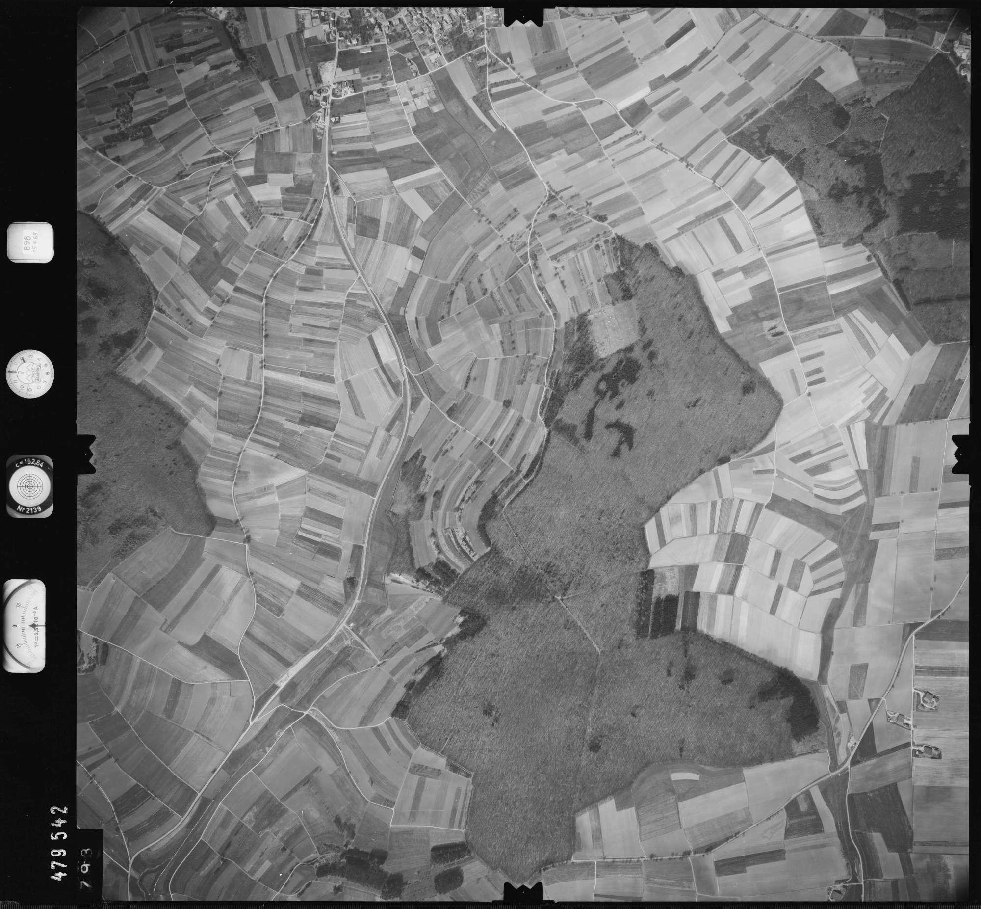 Luftbild: Film 898 Bildnr. 793, Bild 1