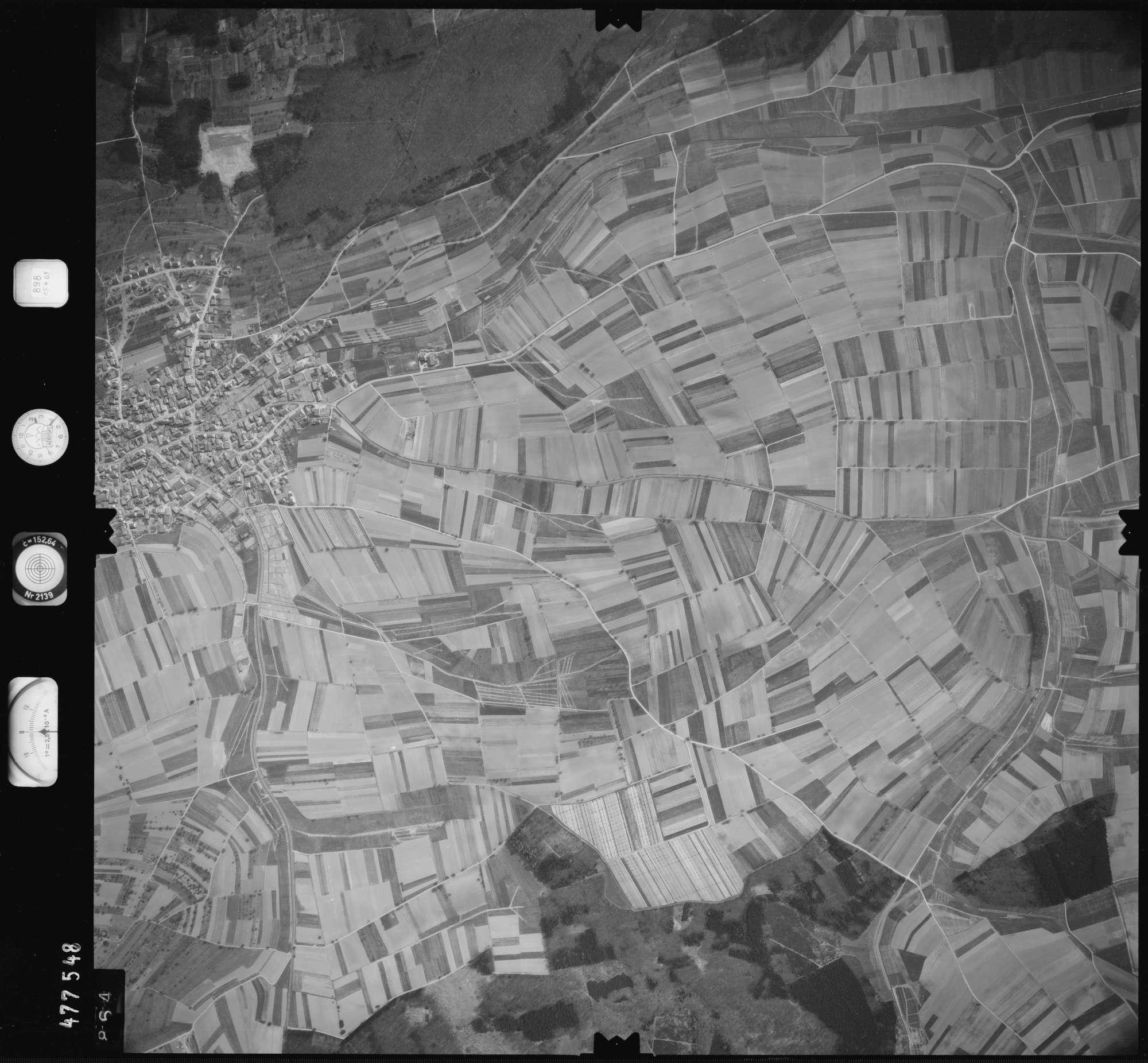 Luftbild: Film 898 Bildnr. 864, Bild 1