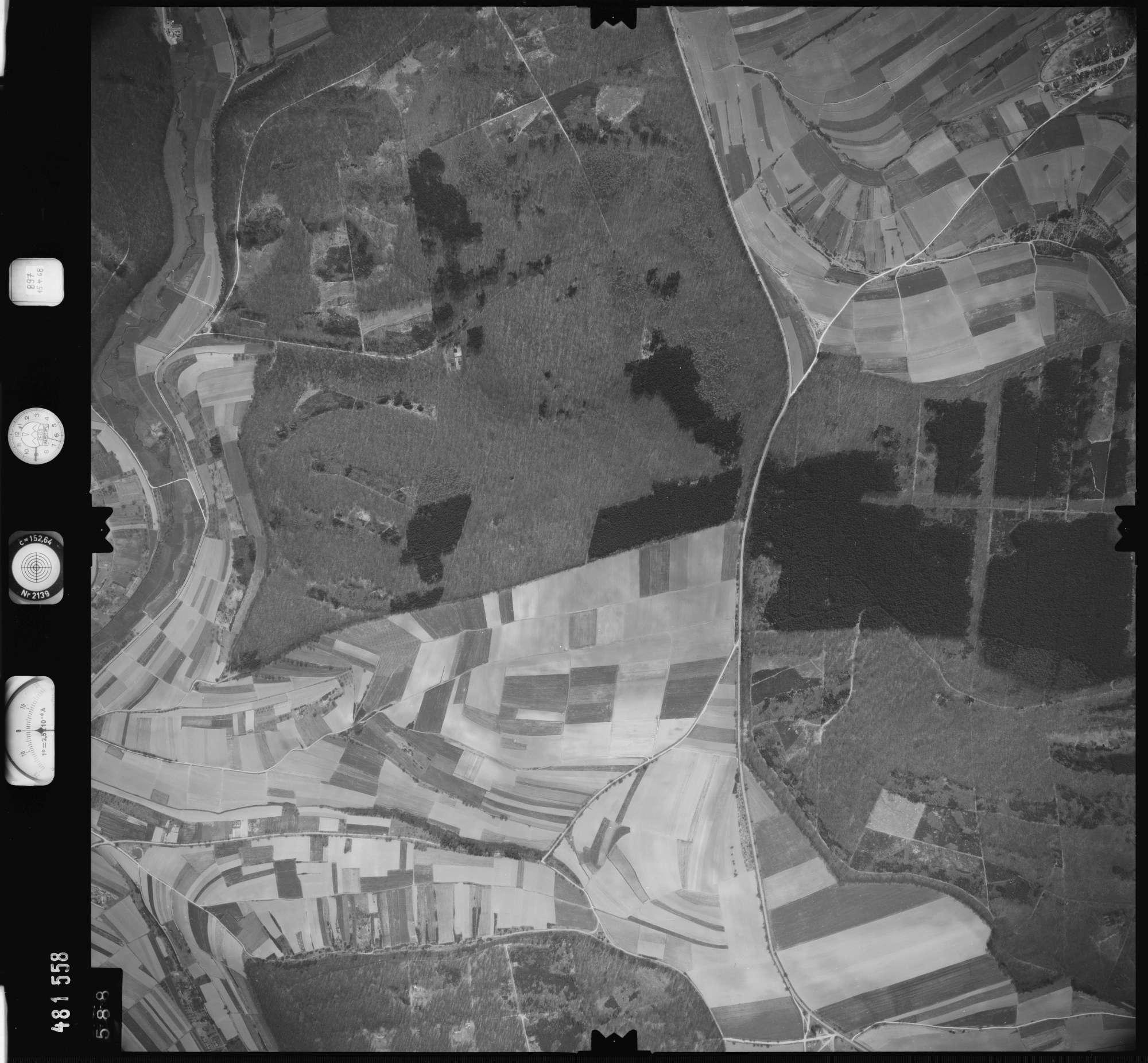 Luftbild: Film 897 Bildnr. 588, Bild 1