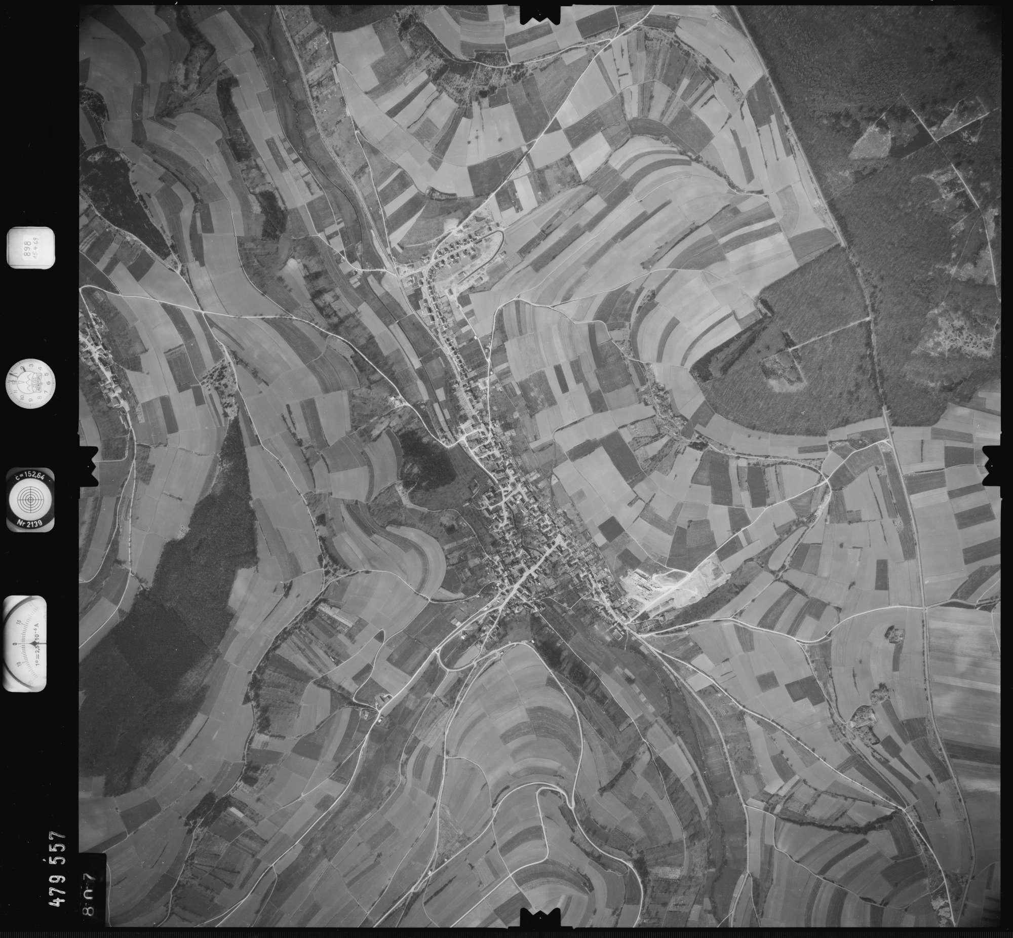 Luftbild: Film 898 Bildnr. 807, Bild 1