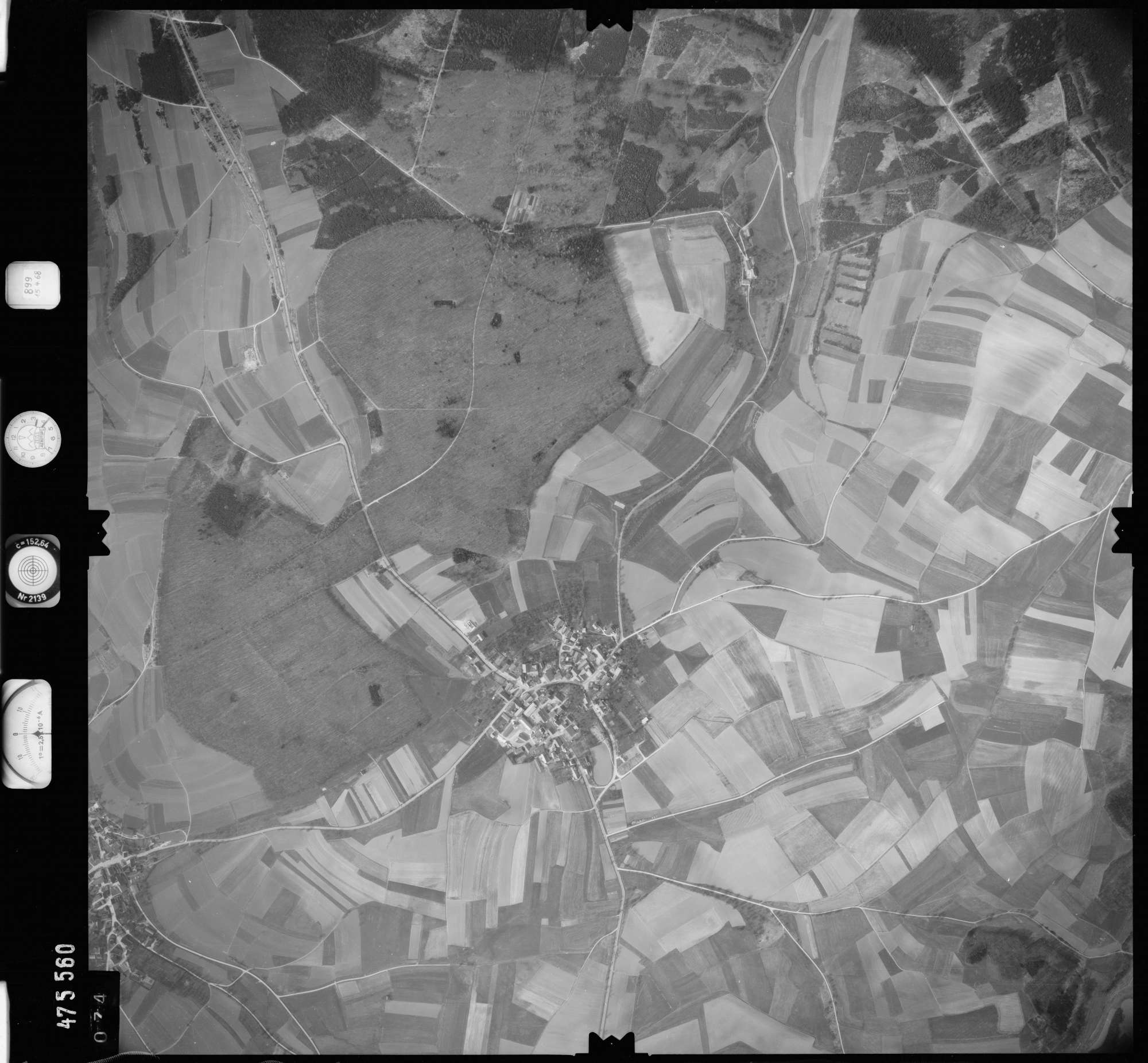 Luftbild: Film 899 Bildnr. 74, Bild 1