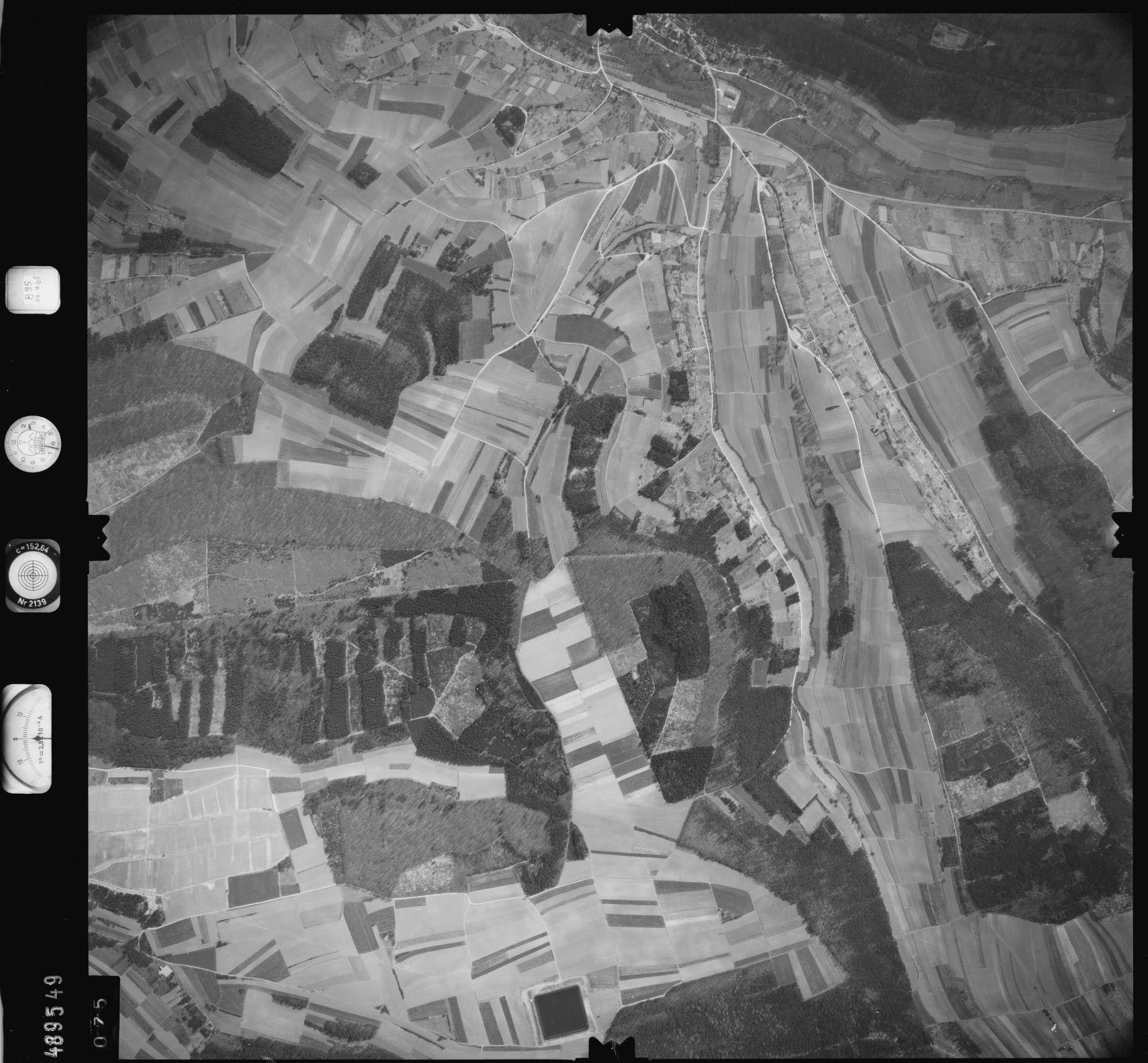 Luftbild: Film 895 Bildnr. 75, Bild 1