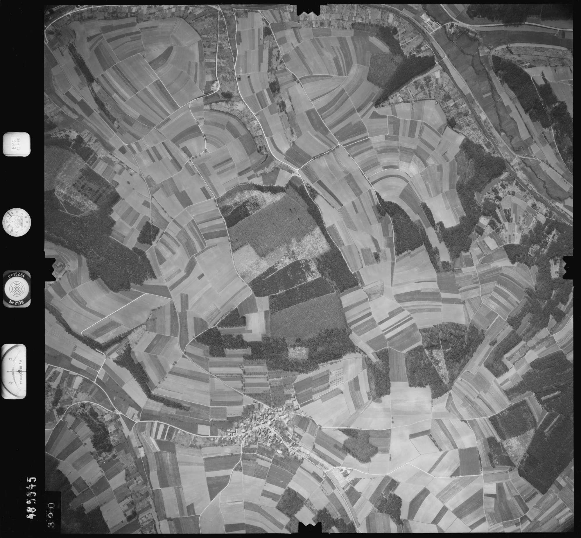 Luftbild: Film 896 Bildnr. 320, Bild 1