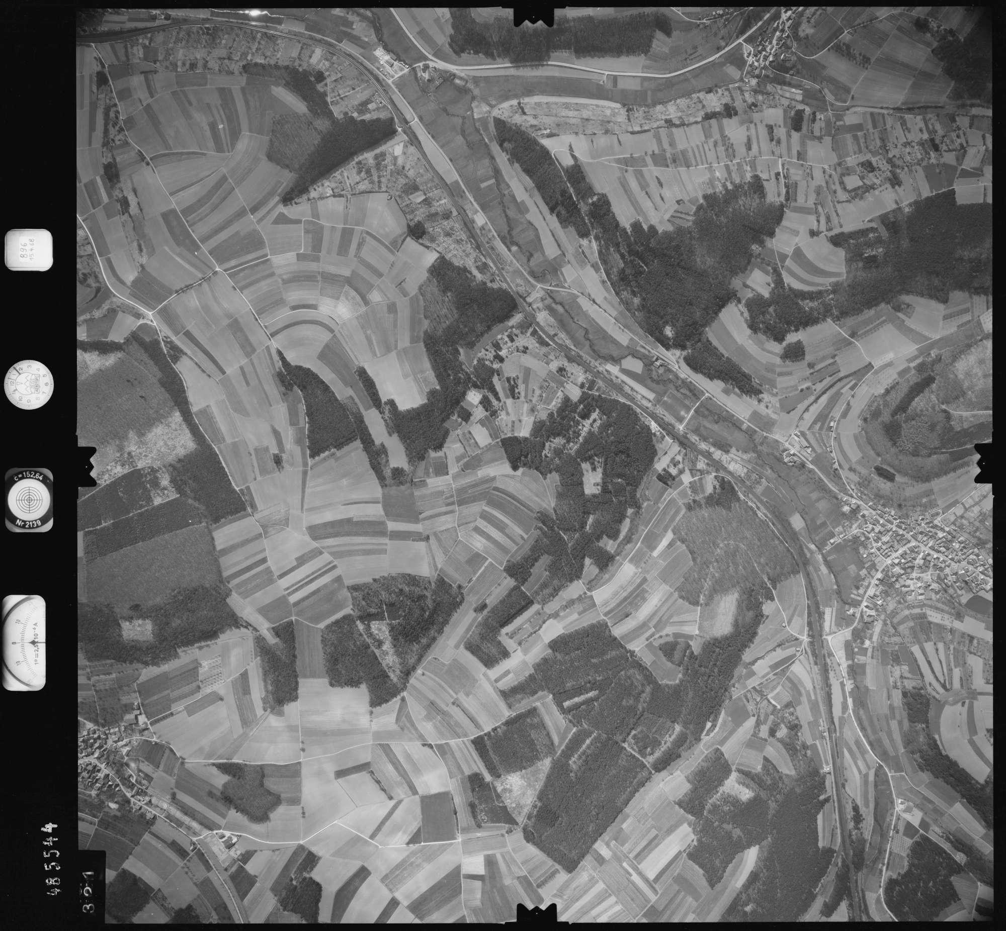 Luftbild: Film 896 Bildnr. 321, Bild 1