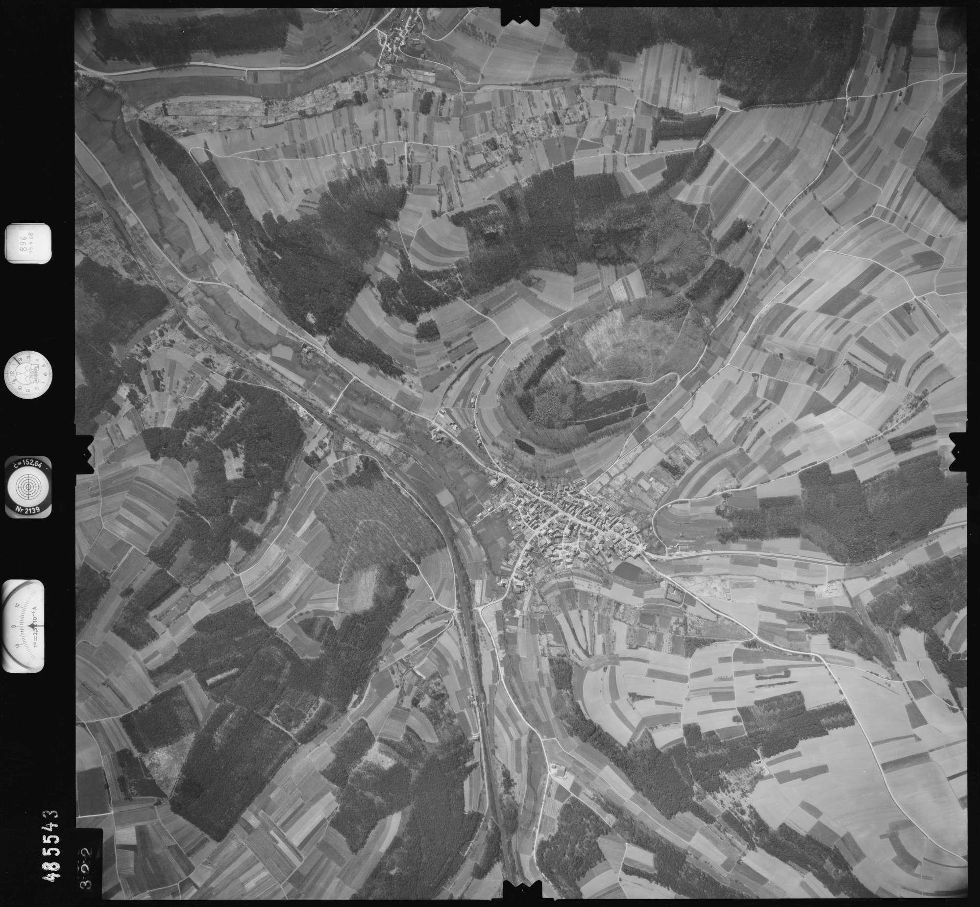 Luftbild: Film 896 Bildnr. 322, Bild 1