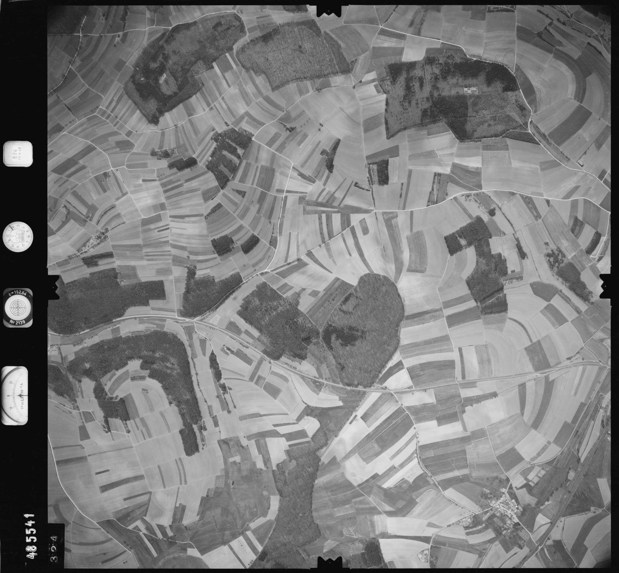 Luftbild: Film 896 Bildnr. 324, Bild 1