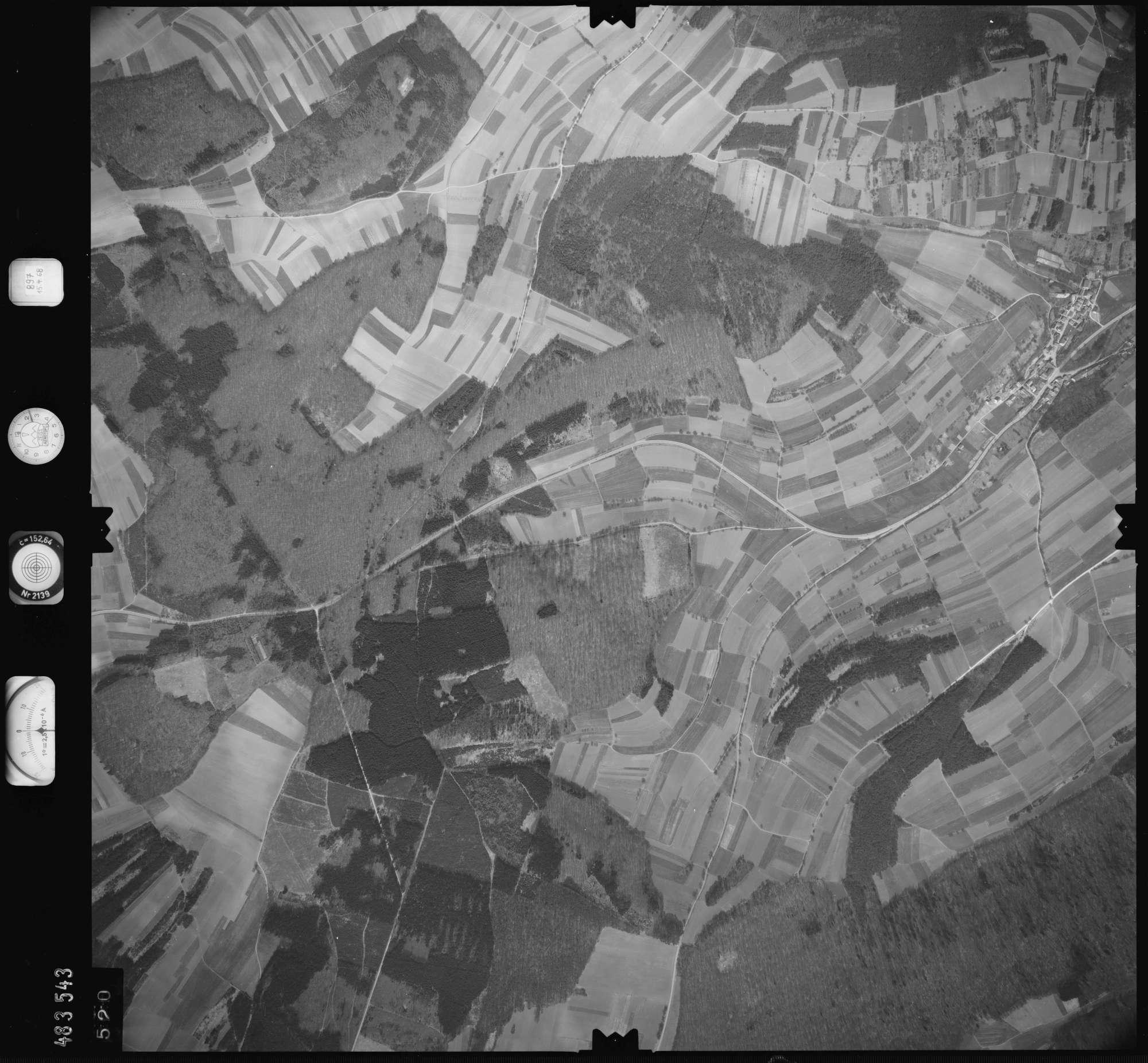 Luftbild: Film 897 Bildnr. 520, Bild 1