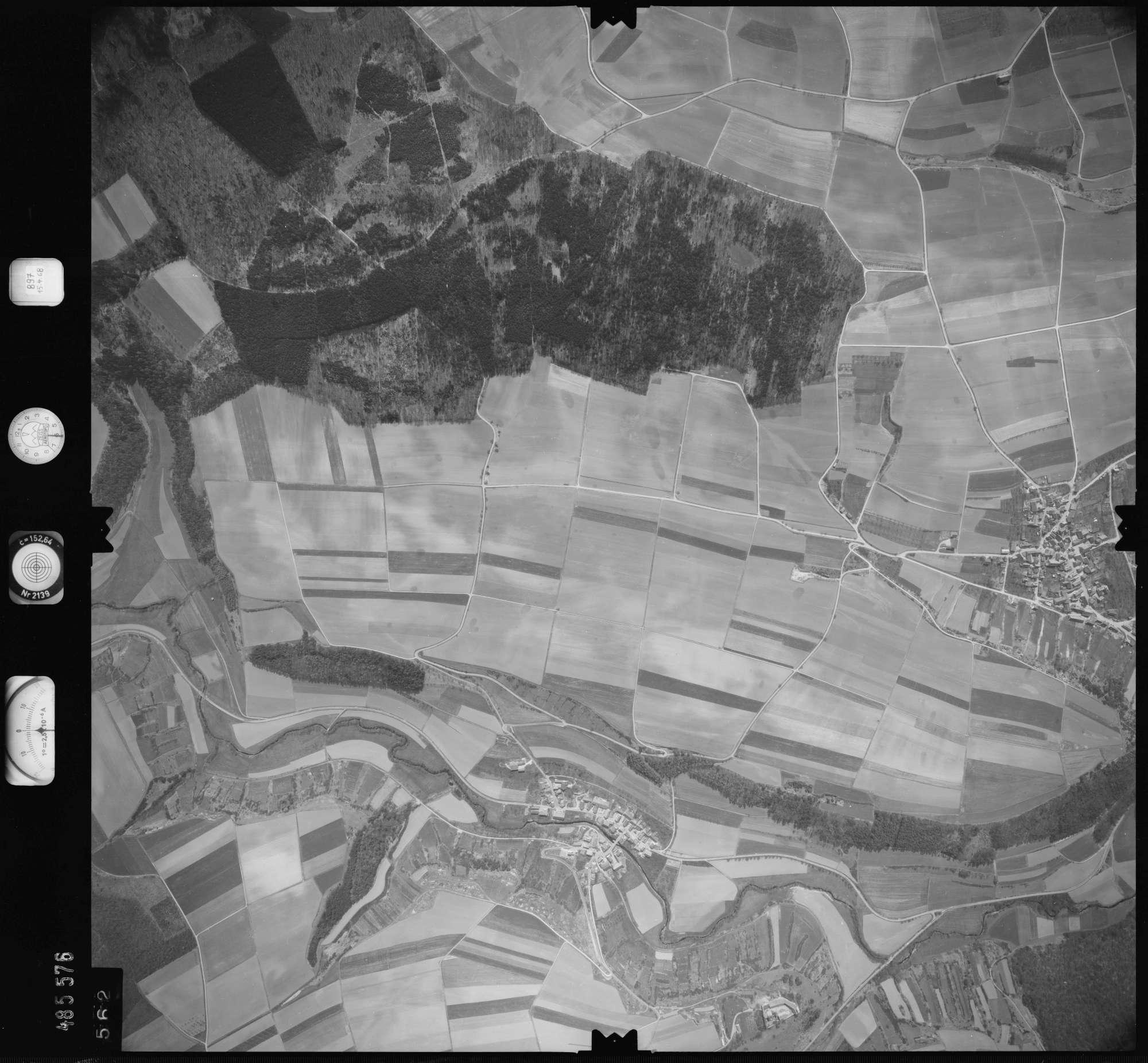 Luftbild: Film 897 Bildnr. 562, Bild 1