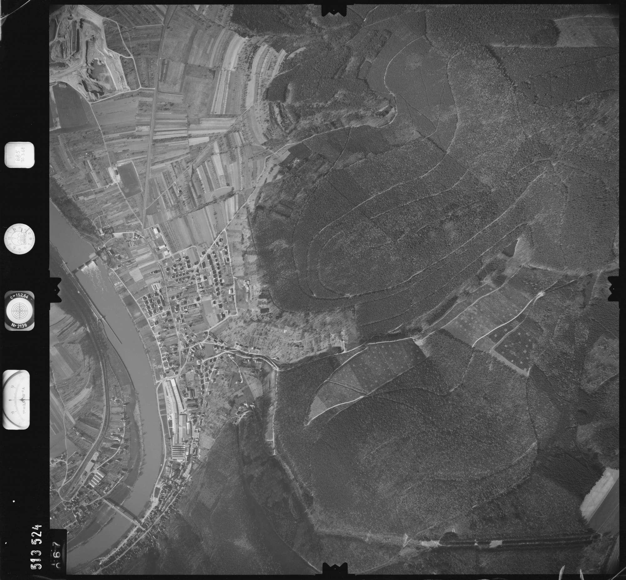 Luftbild: Film 885 Bildnr. 67, Bild 1