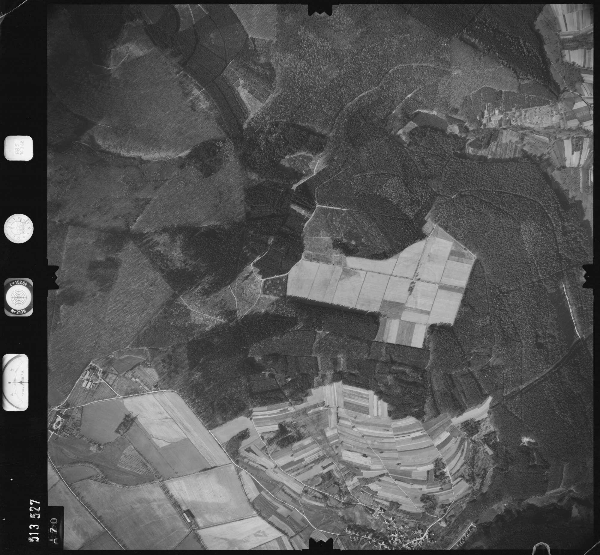 Luftbild: Film 885 Bildnr. 70, Bild 1