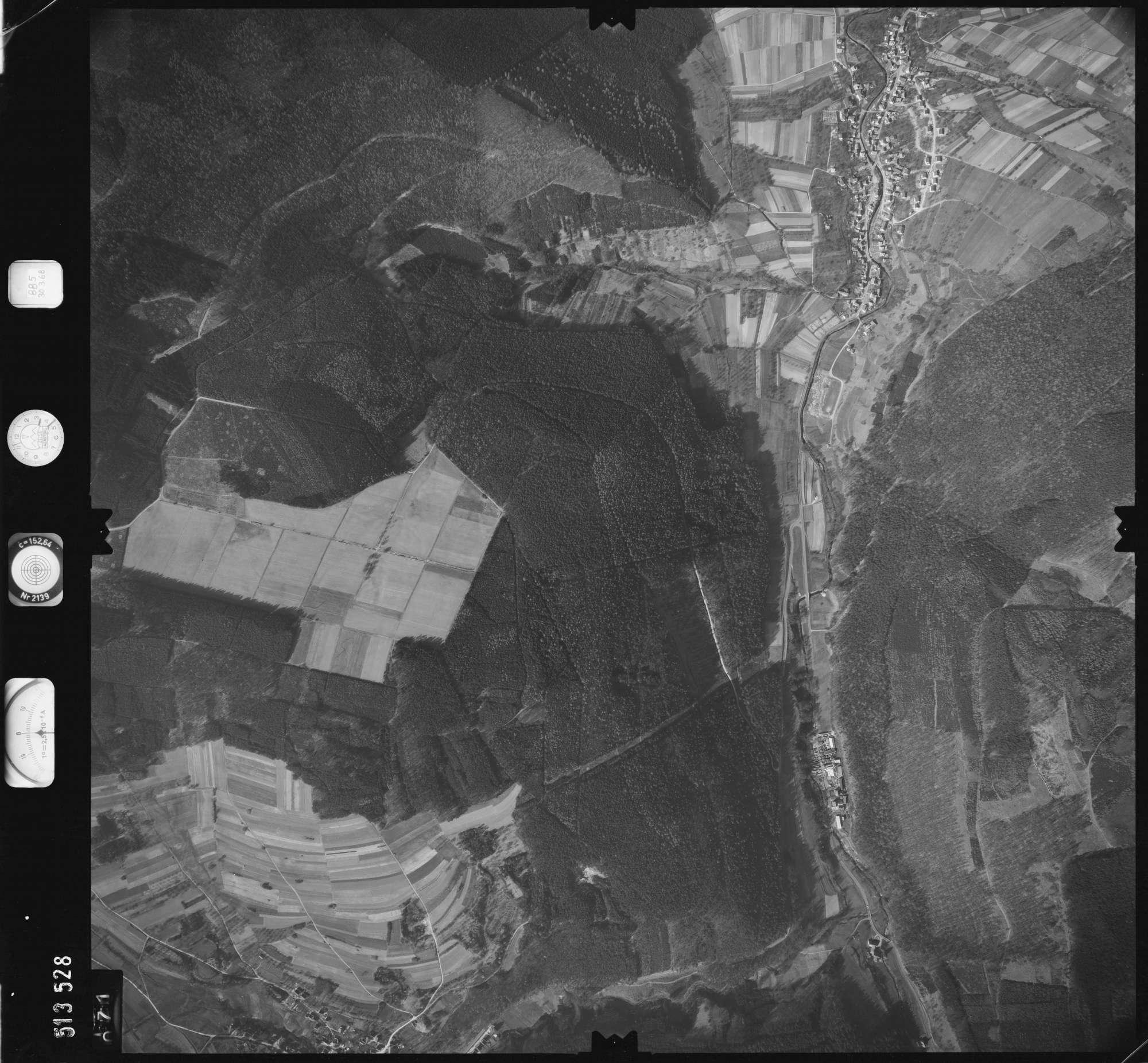 Luftbild: Film 885 Bildnr. 71, Bild 1