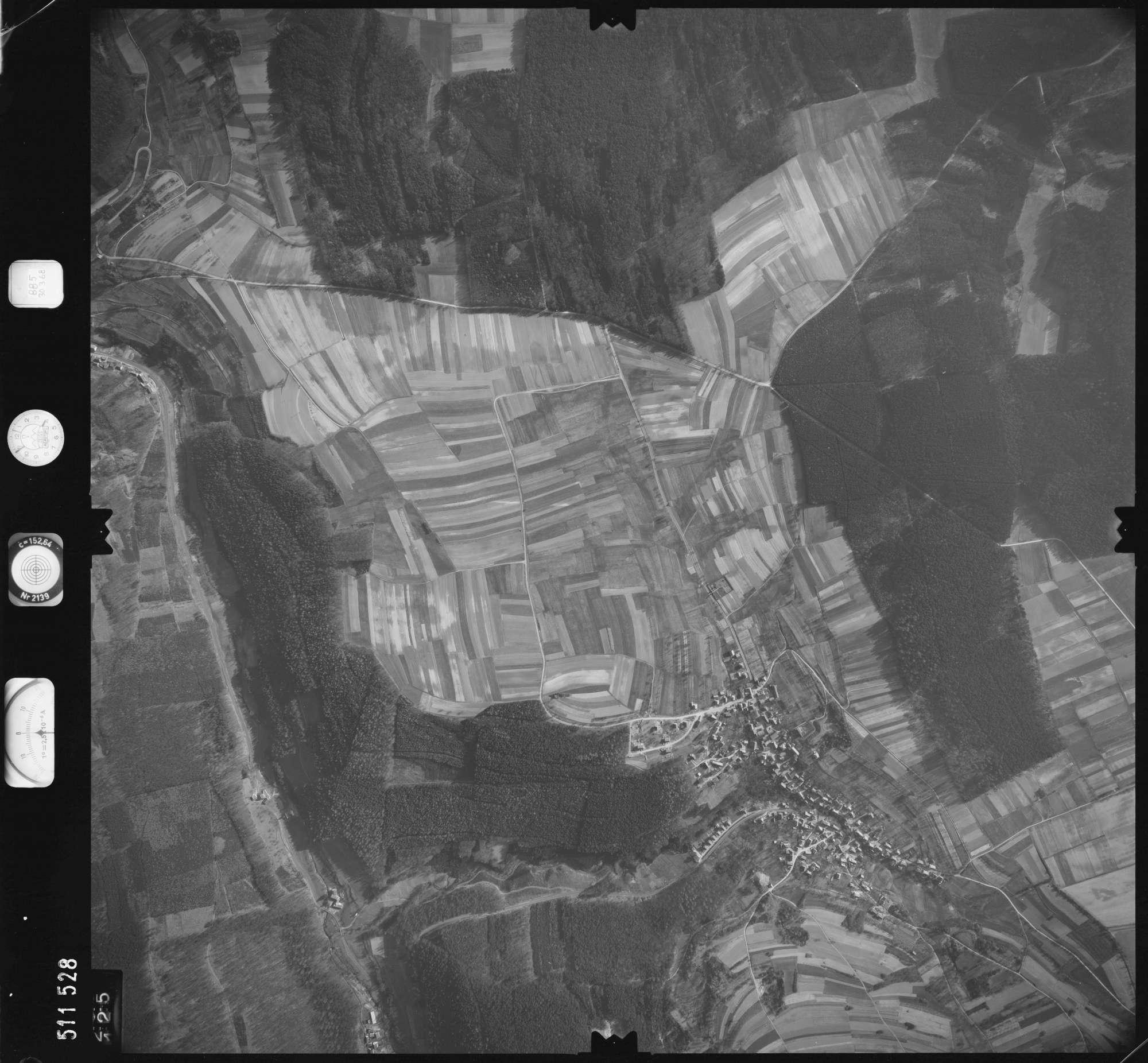 Luftbild: Film 885 Bildnr. 125, Bild 1