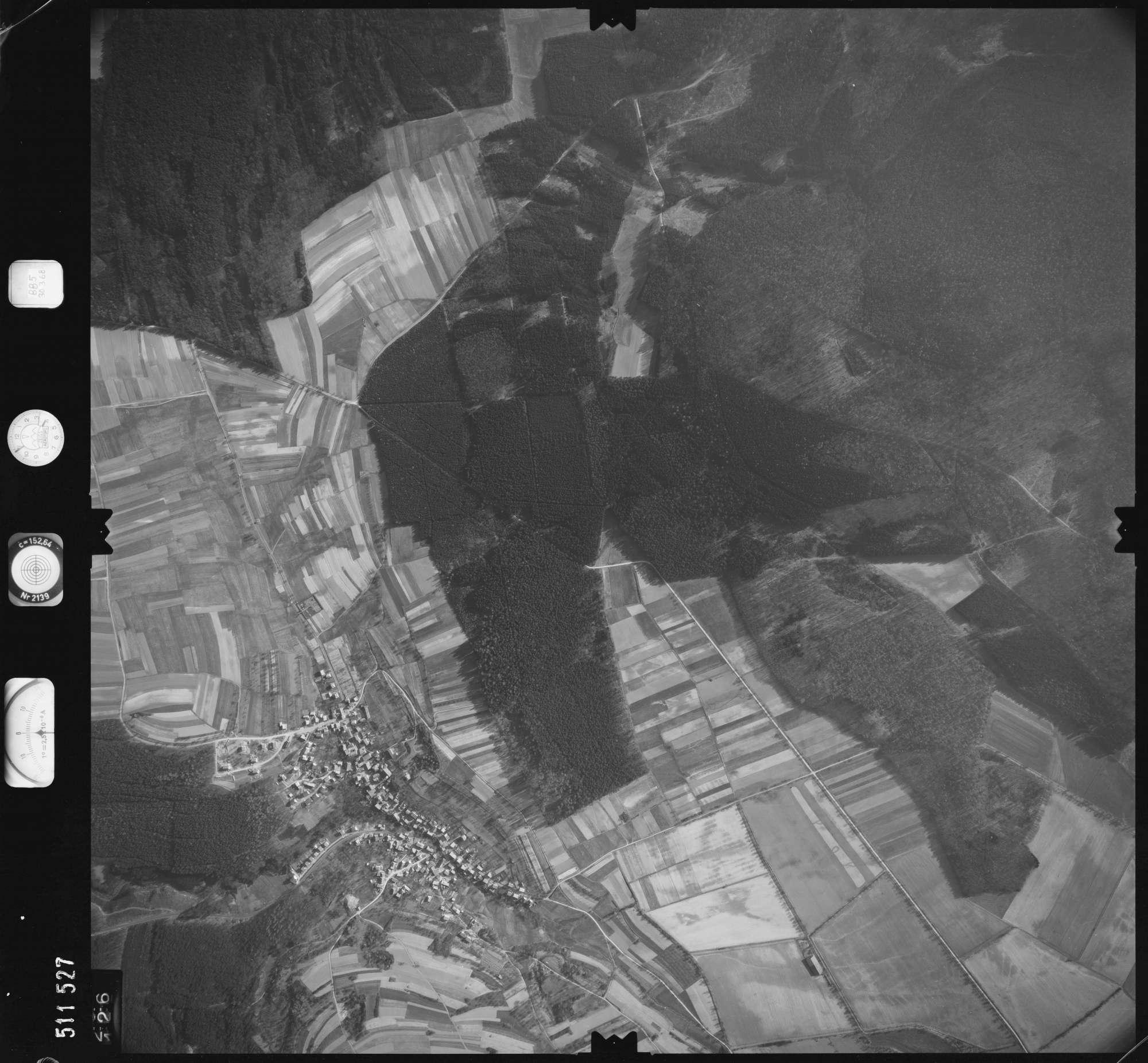 Luftbild: Film 885 Bildnr. 126, Bild 1